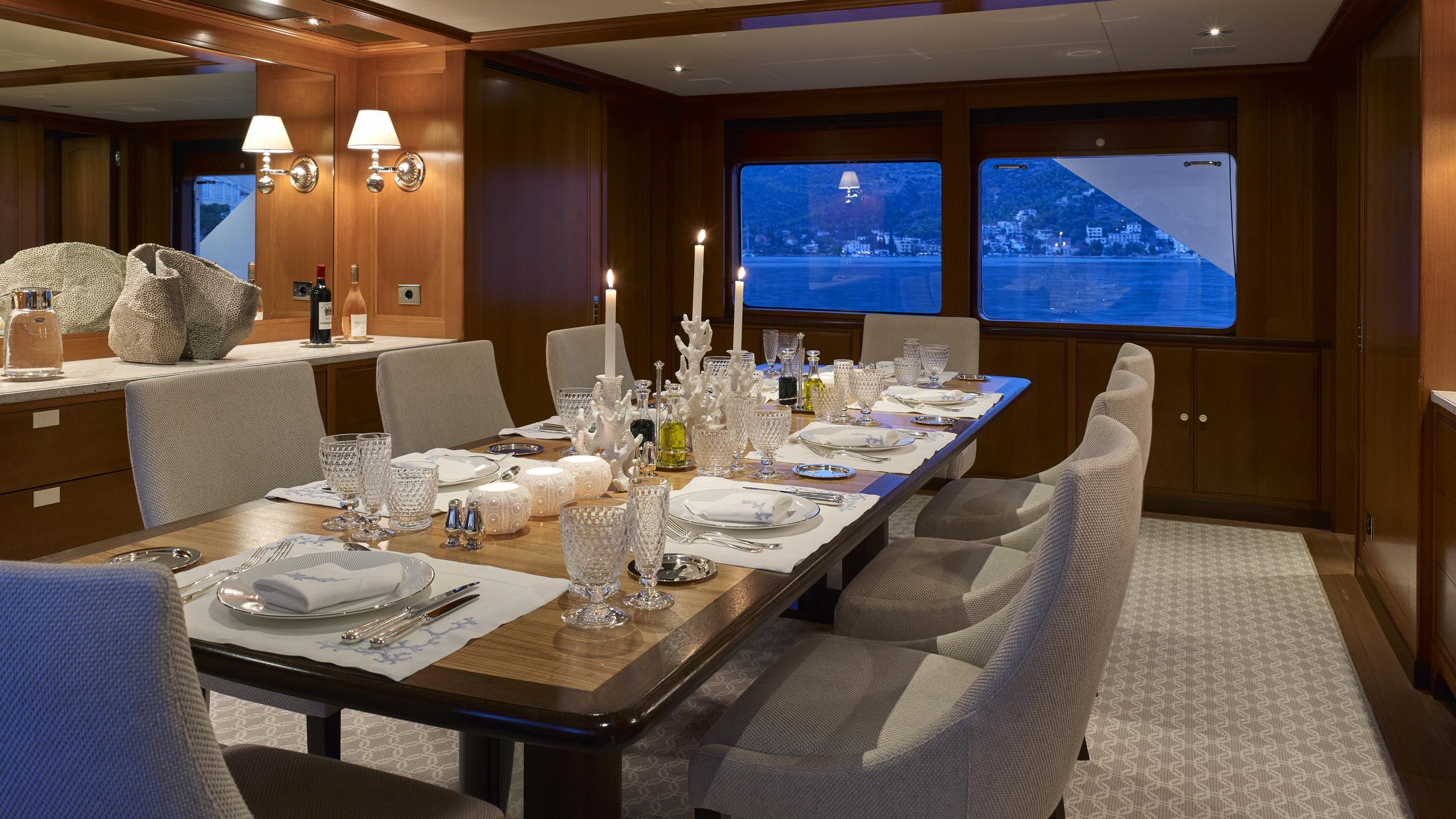 ancallia-yacht-dining