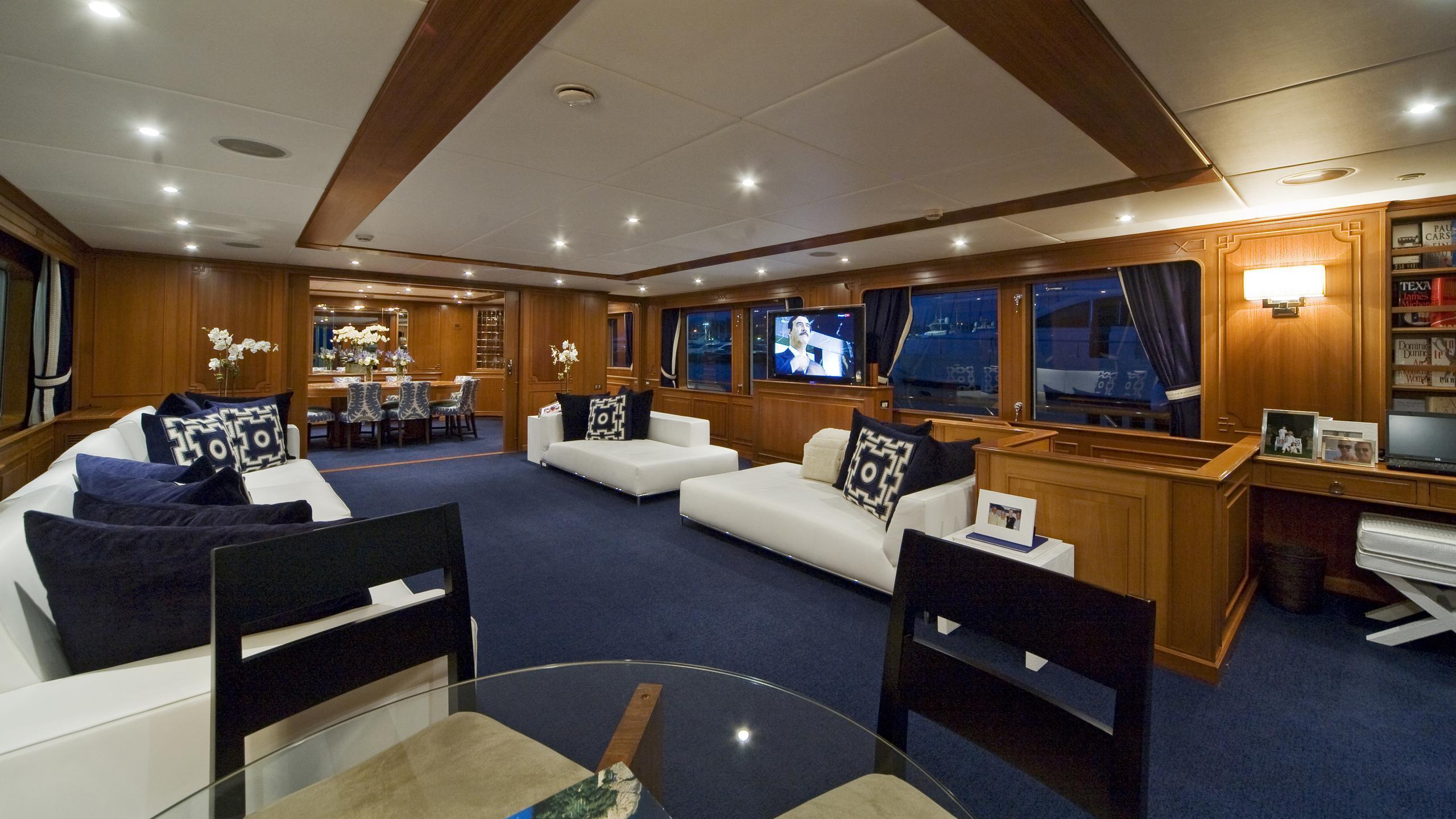 audacia-yacht-saloon