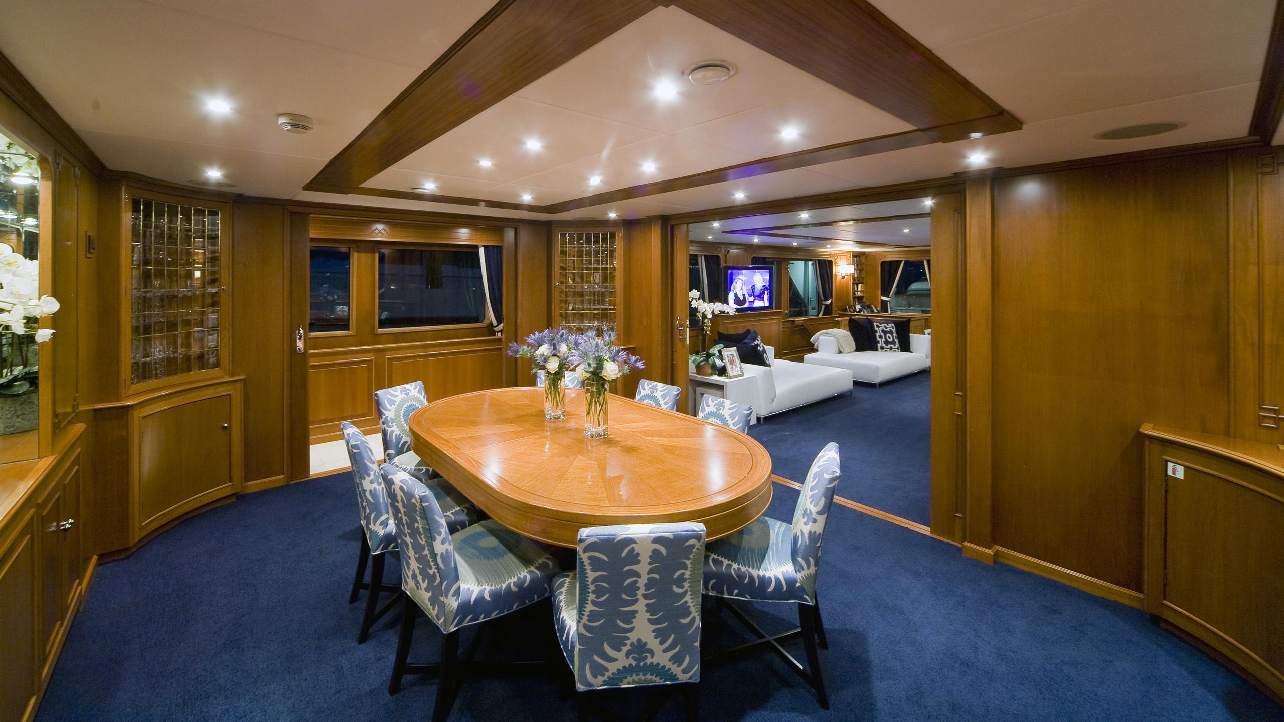 audacia-yacht-formal-dining