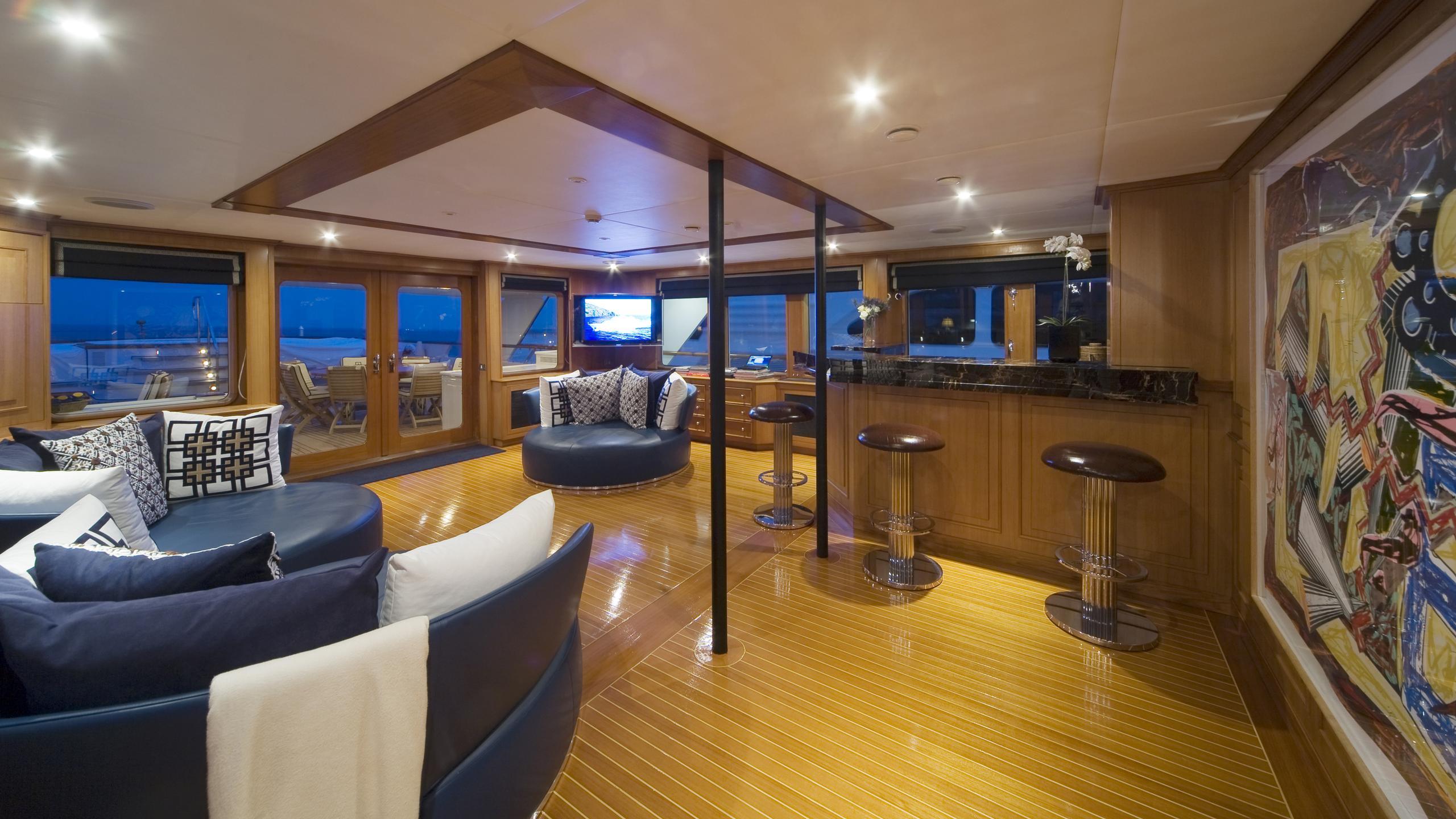 audacia-yacht-lounge
