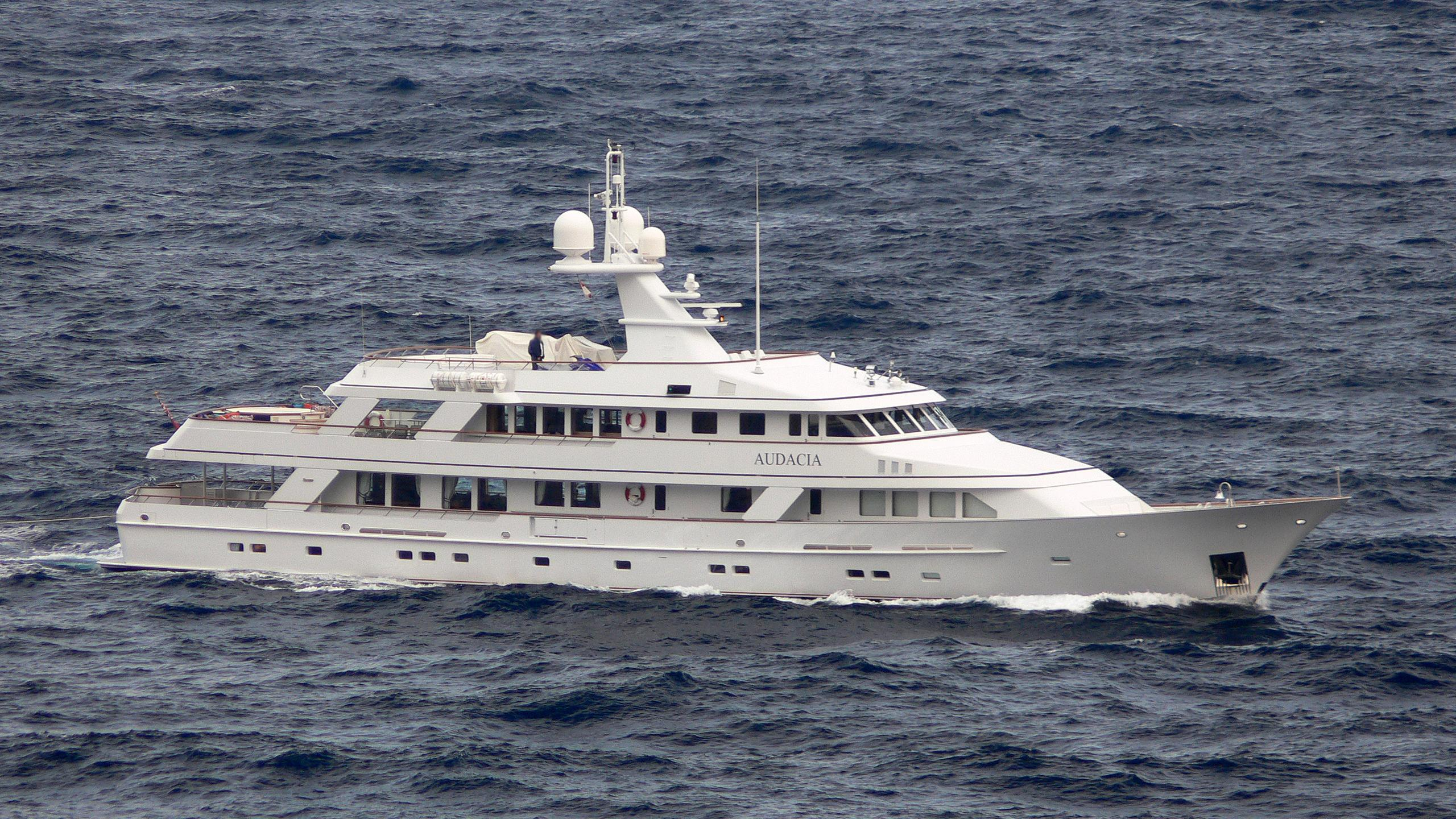 audacia-yacht-exterior