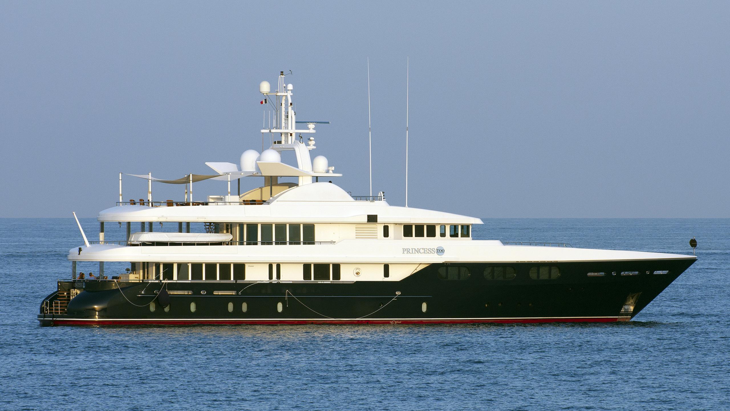 princess-too-yacht-exterior