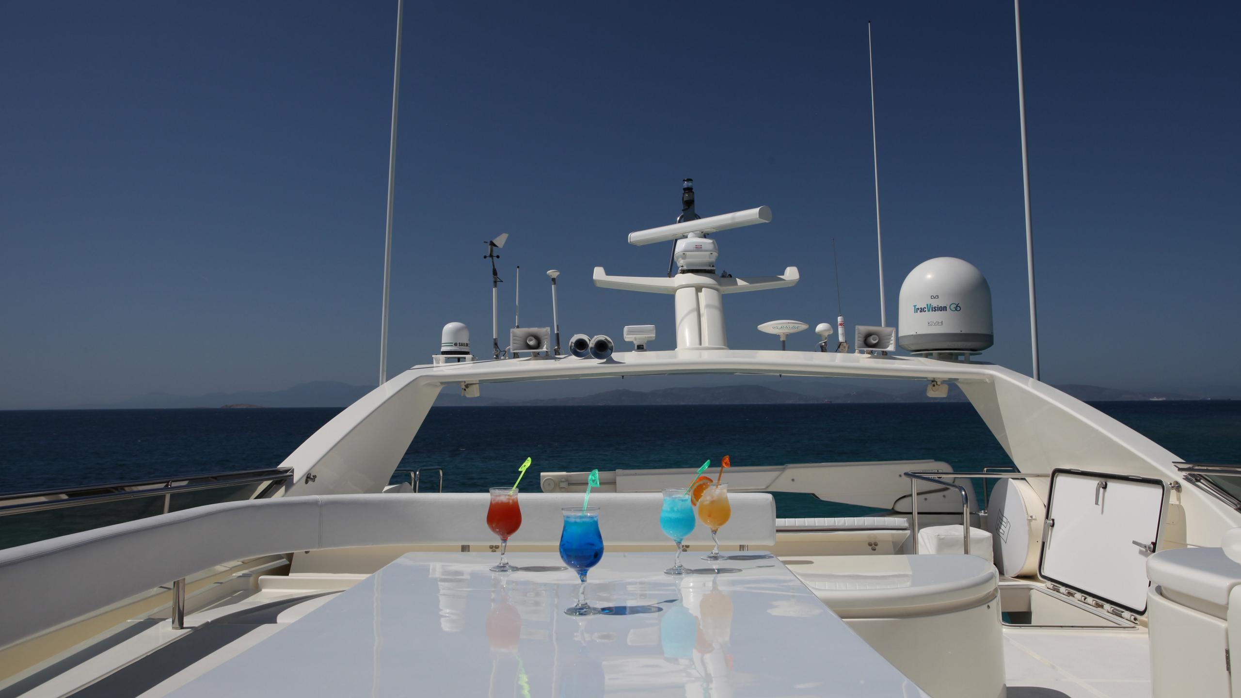 kentavros-ii-yacht-fly-deck-dining