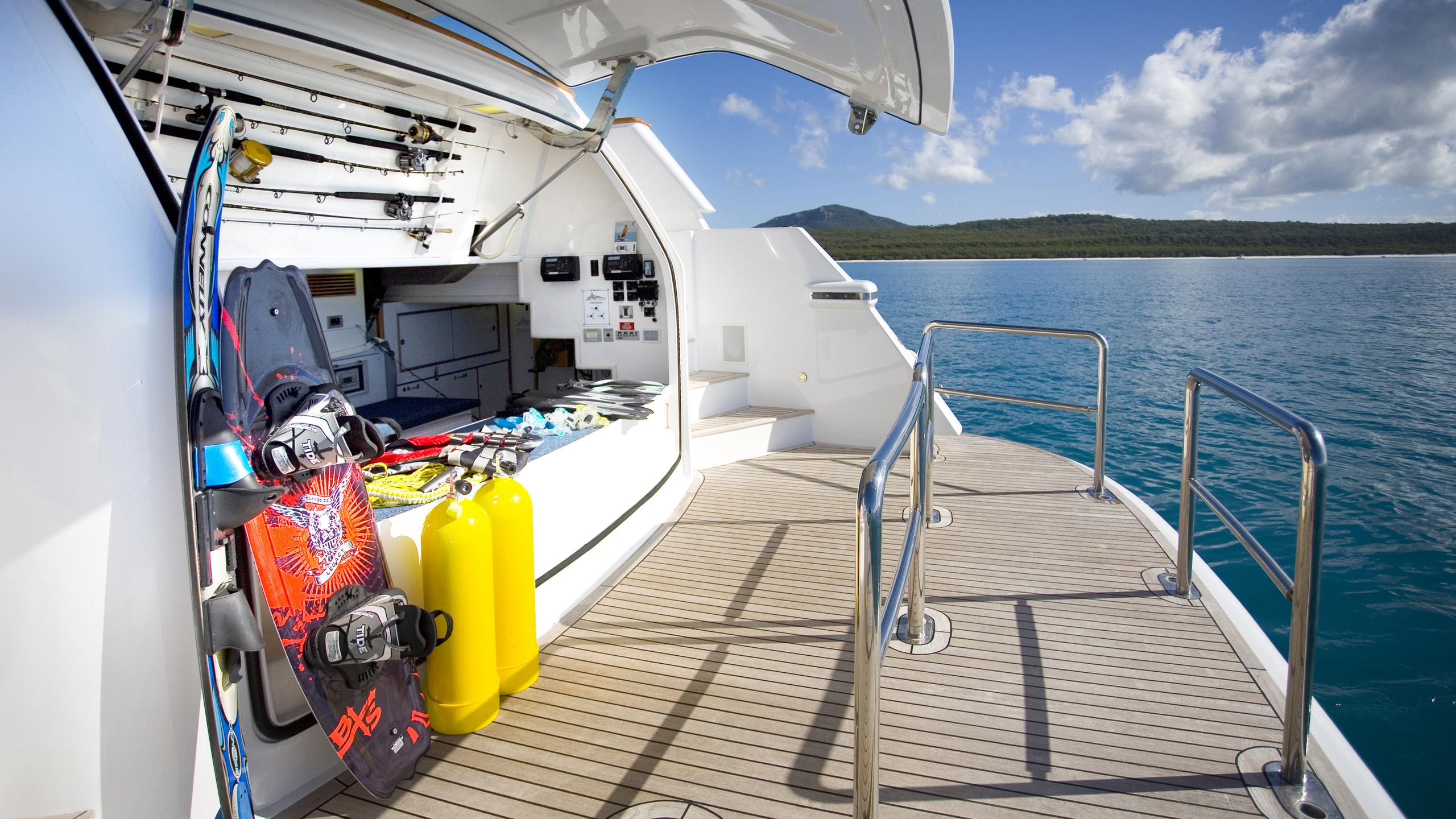 delise-III-yacht-toys