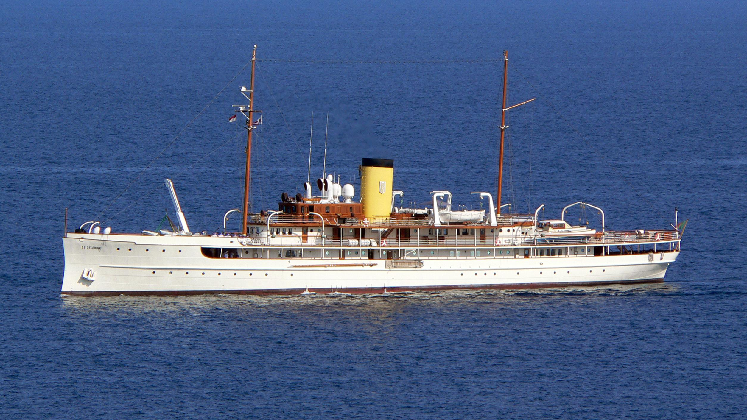 ss-delphine-yacht-exterior