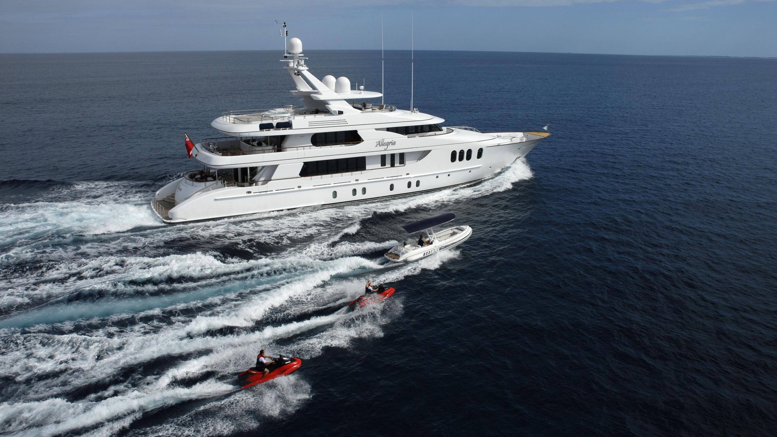 allegria-yacht-cruising-toys
