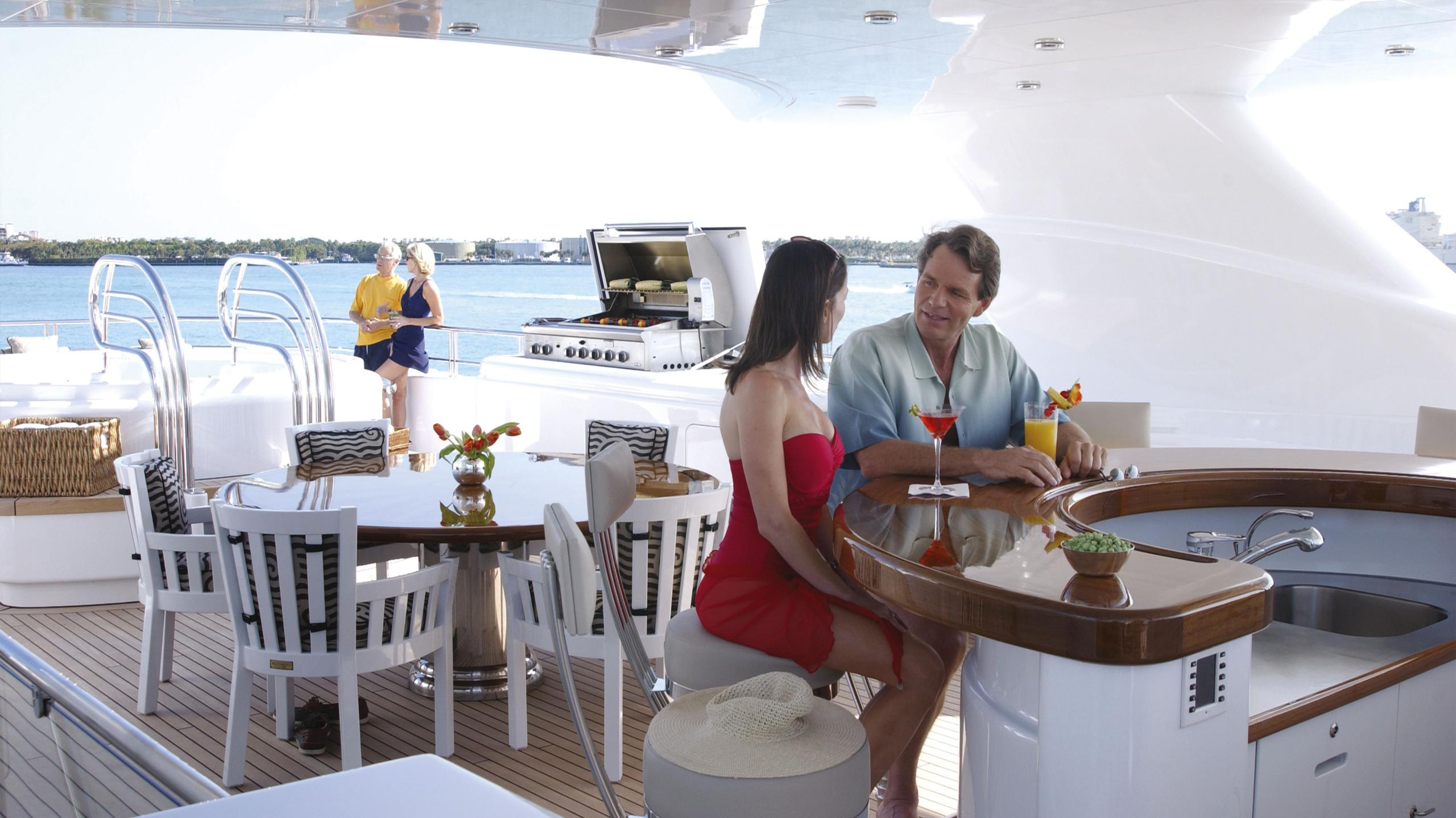 allegria-yacht-upper-deck-bar