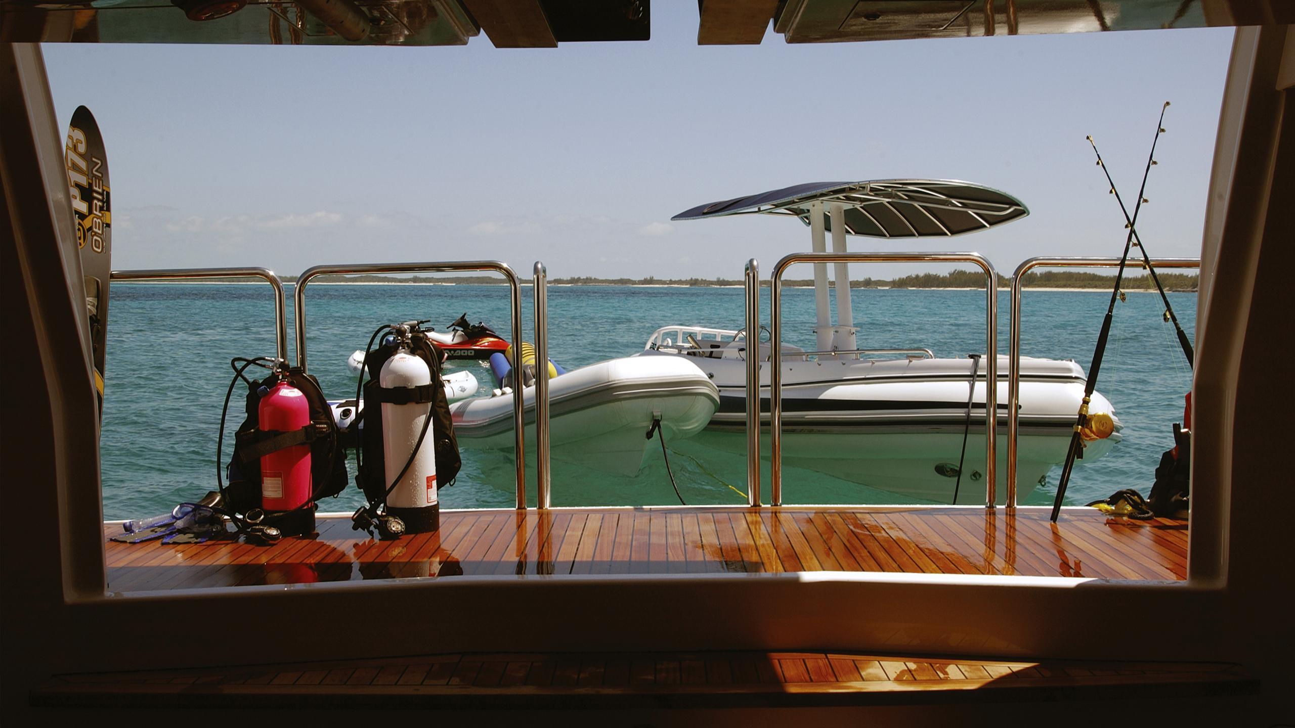 allegria-yacht-garage