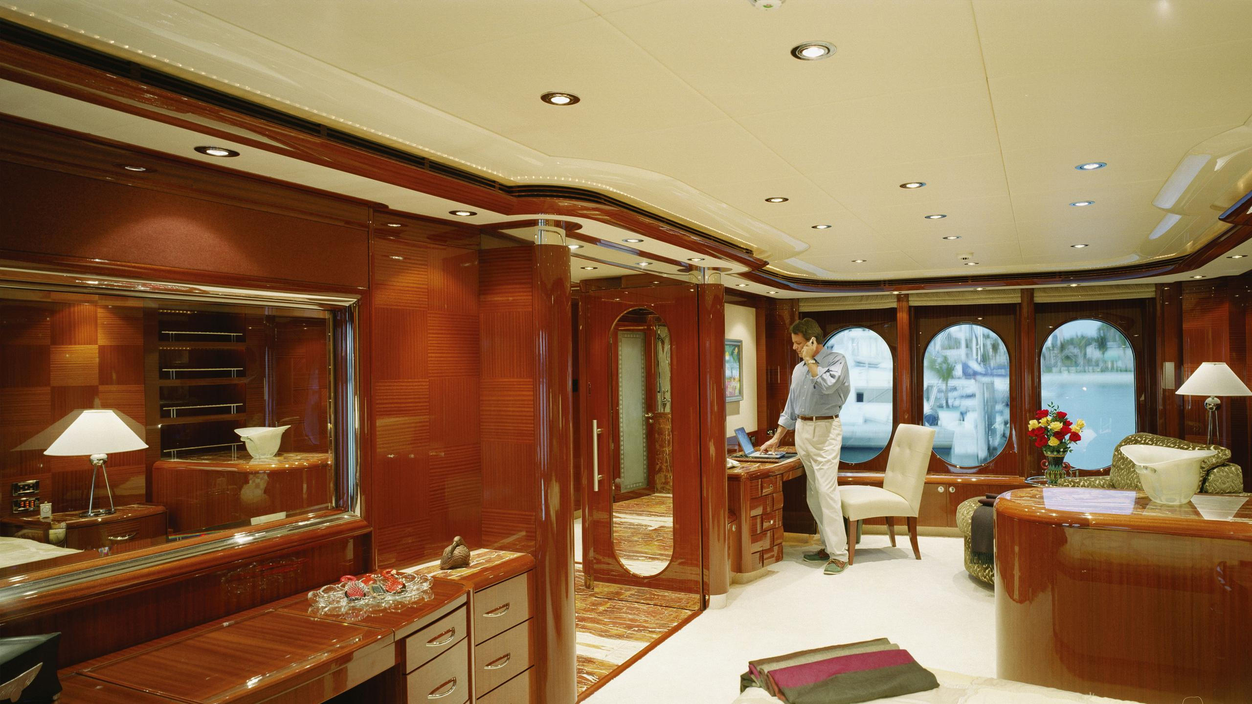 allegria-yacht-office