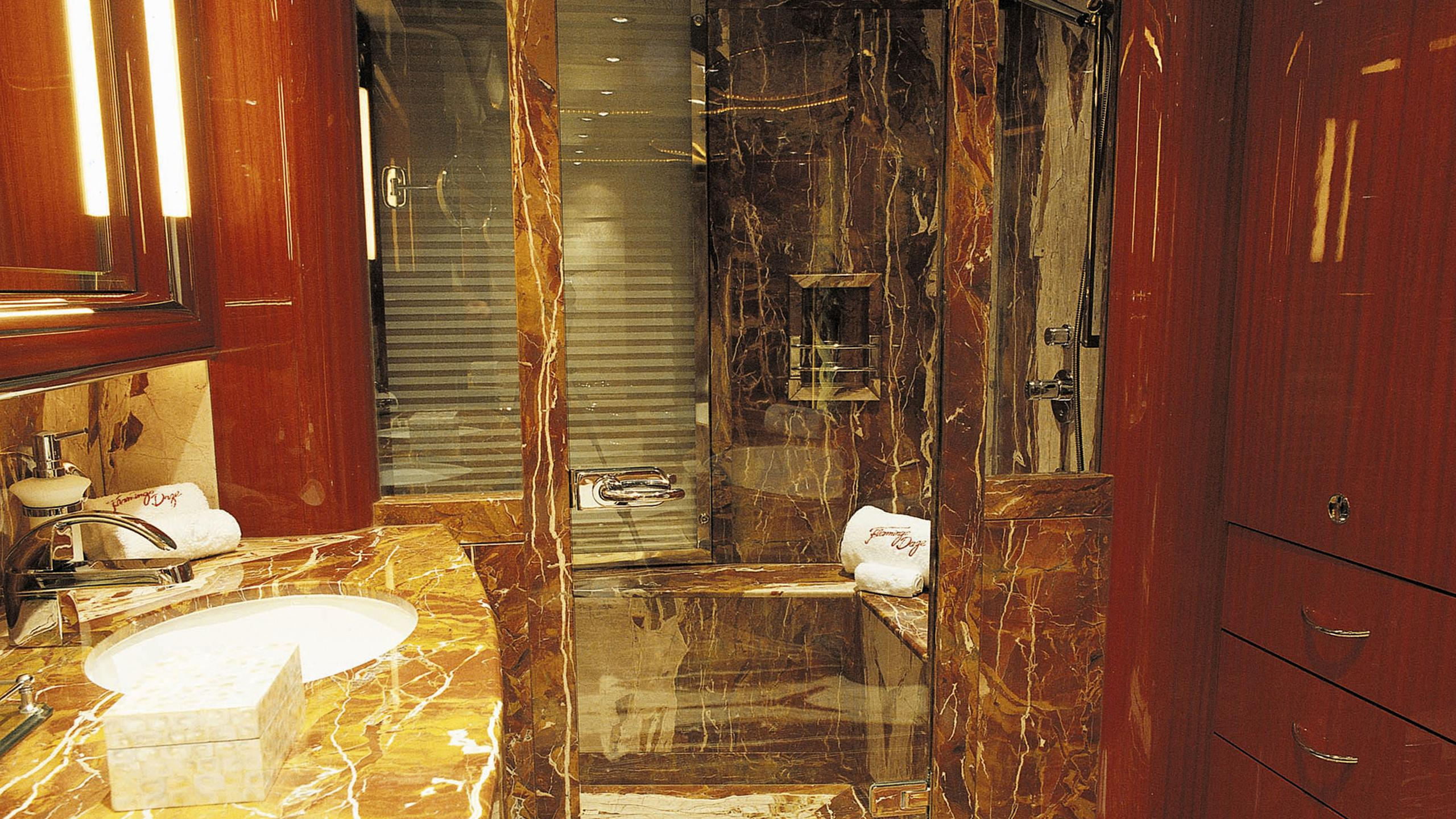 allegria-yacht-bathroom