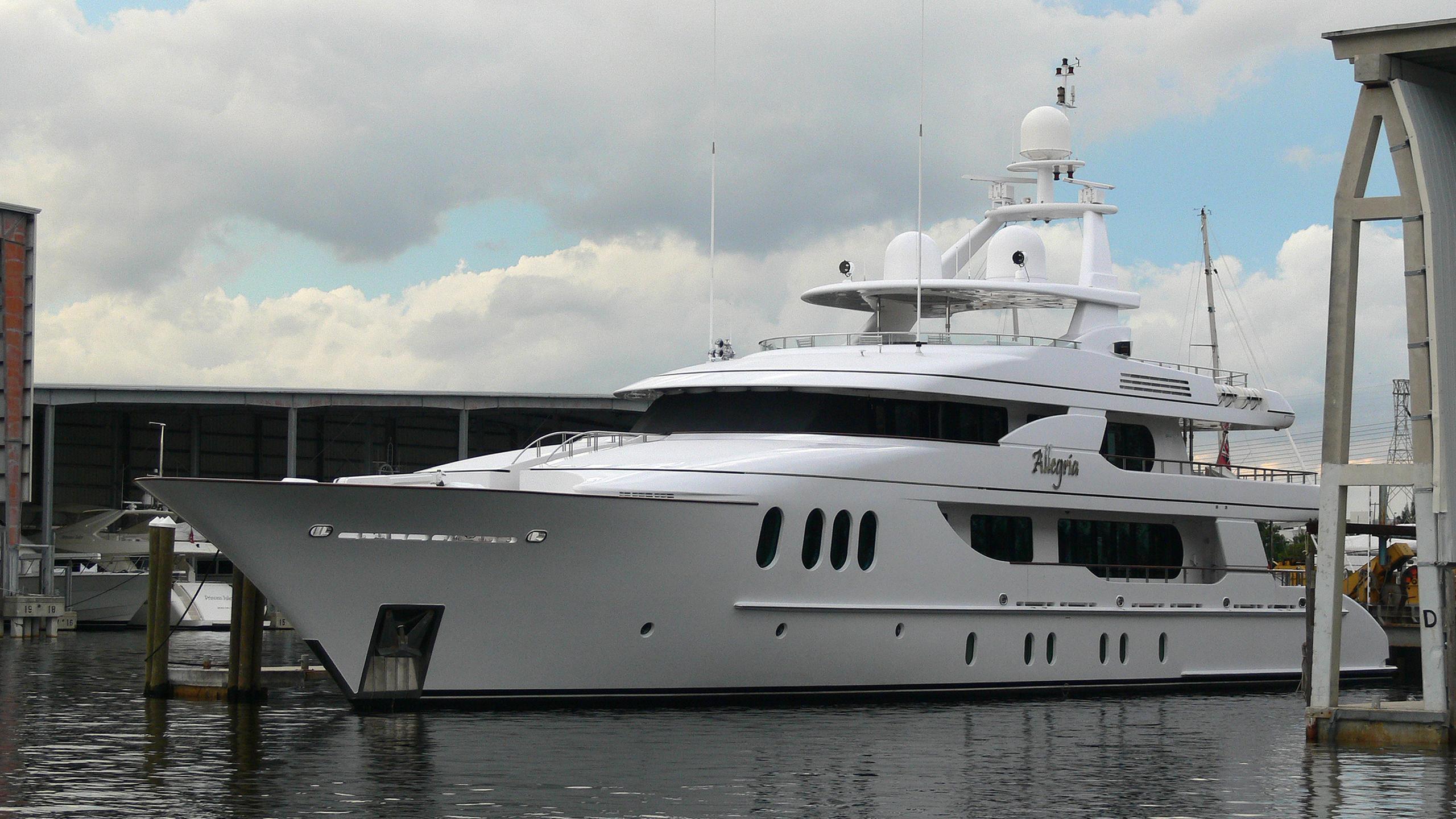allegria-yacht-exterior