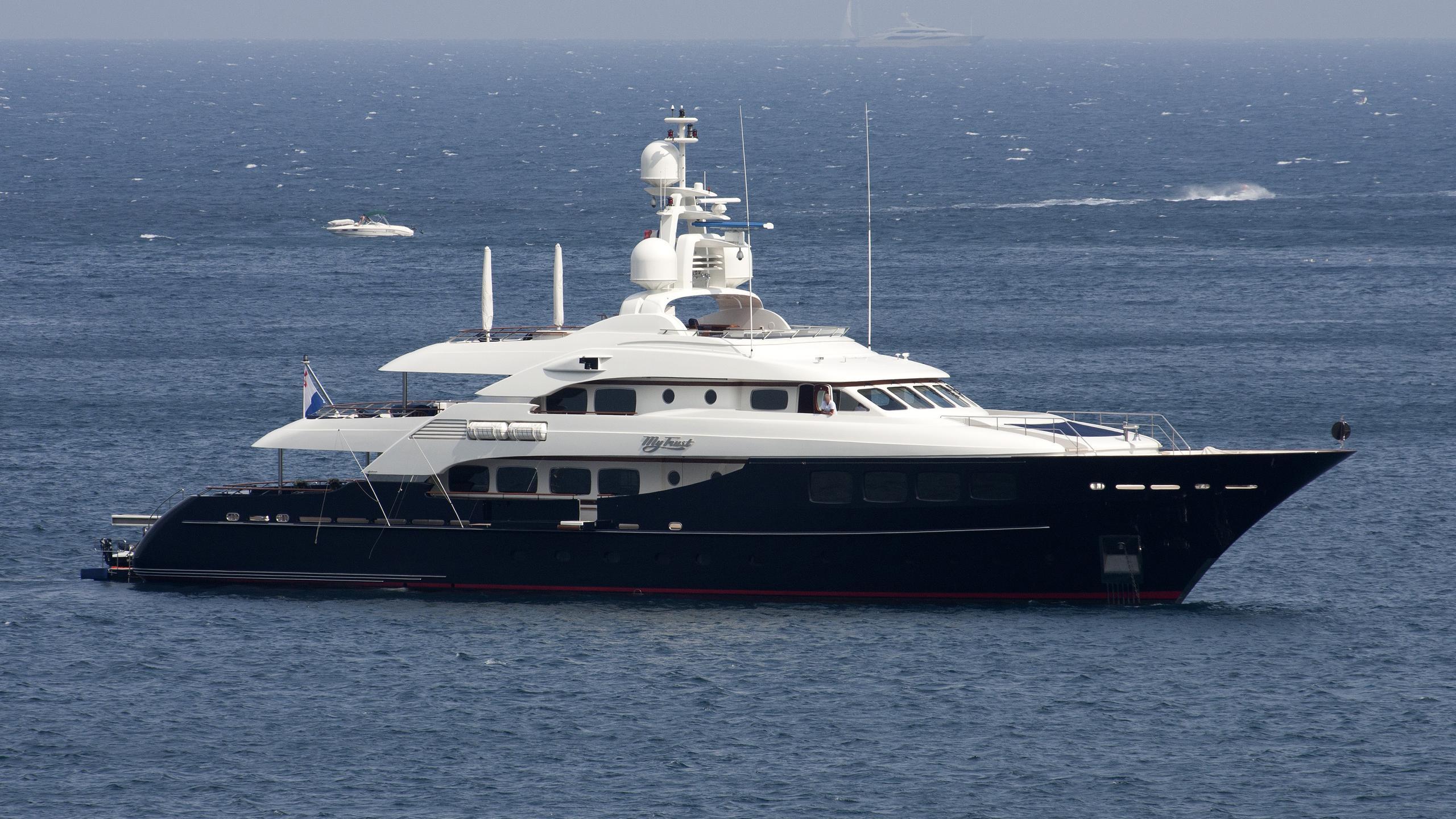 my-trust-fund-yacht-exterior