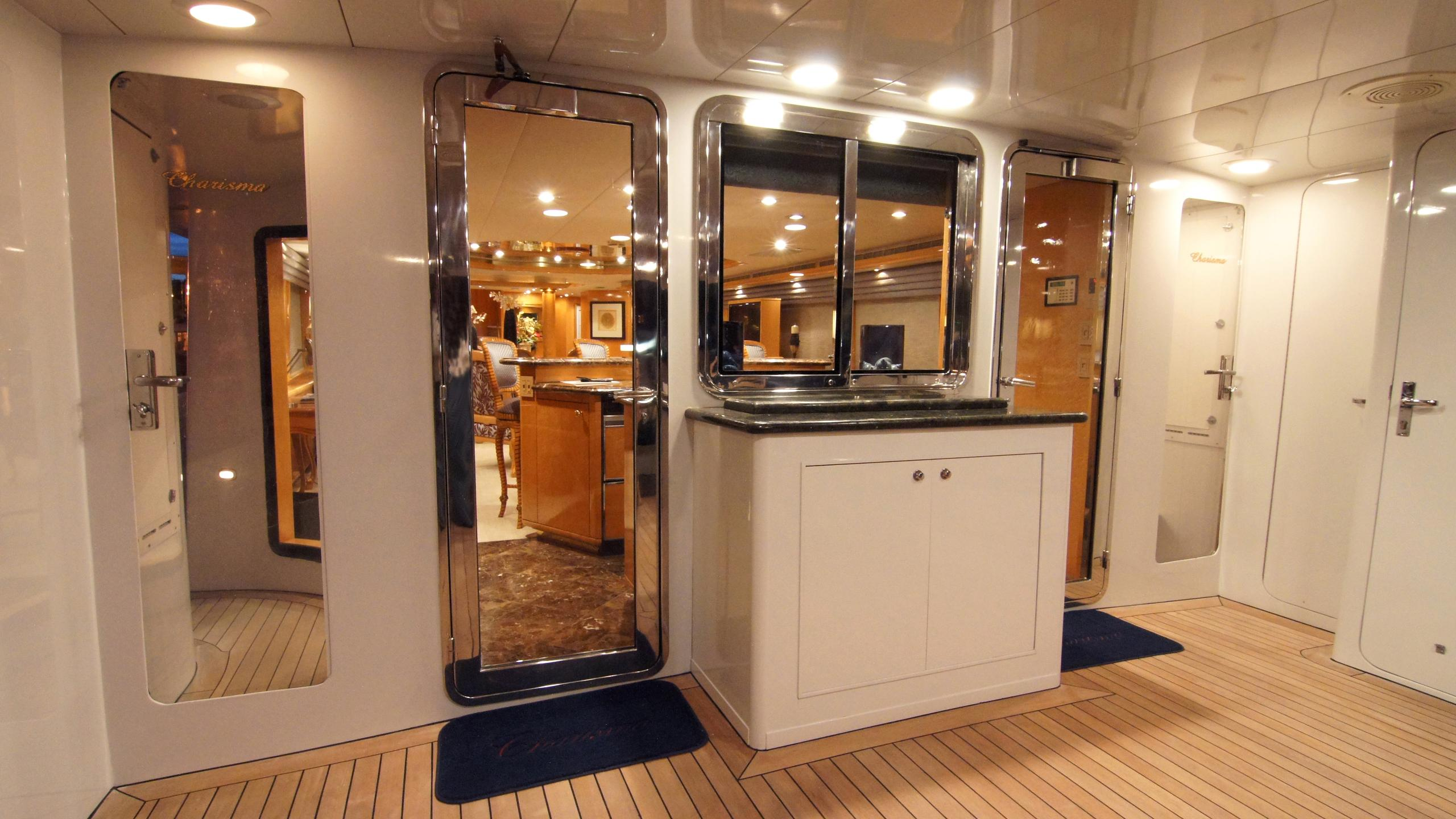 charisma-yacht-upper-deck