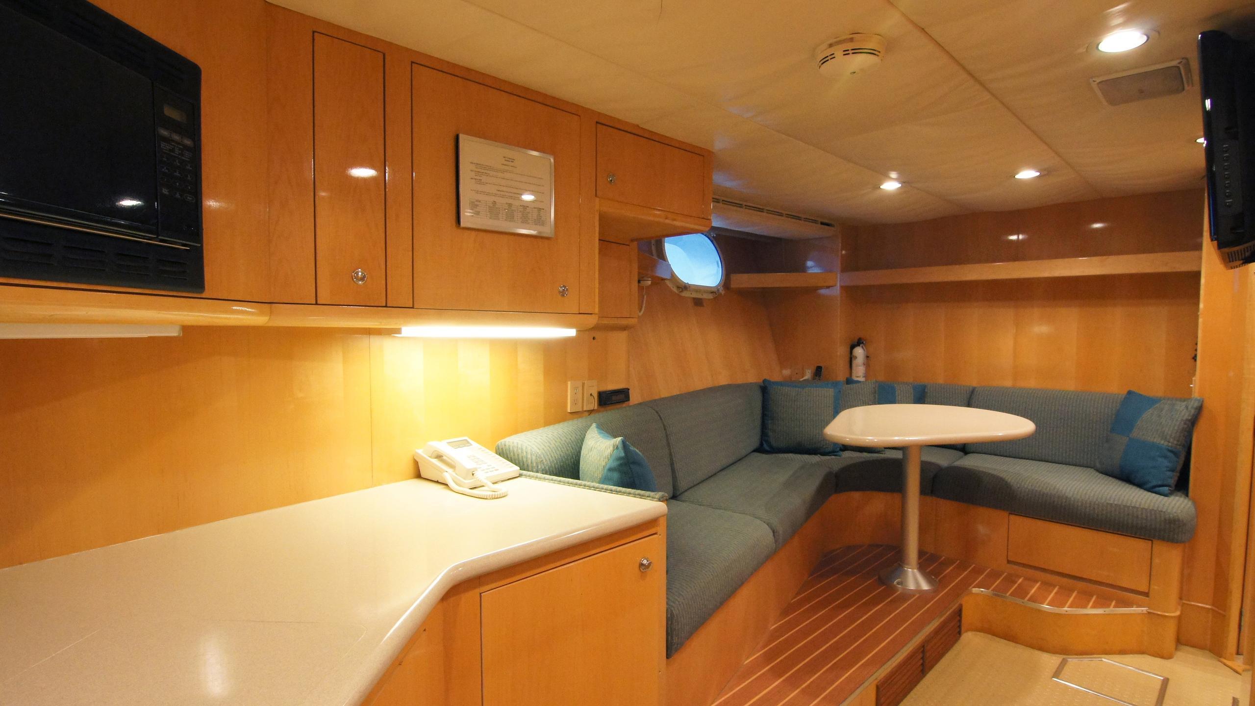 charisma-yacht-crew-dining