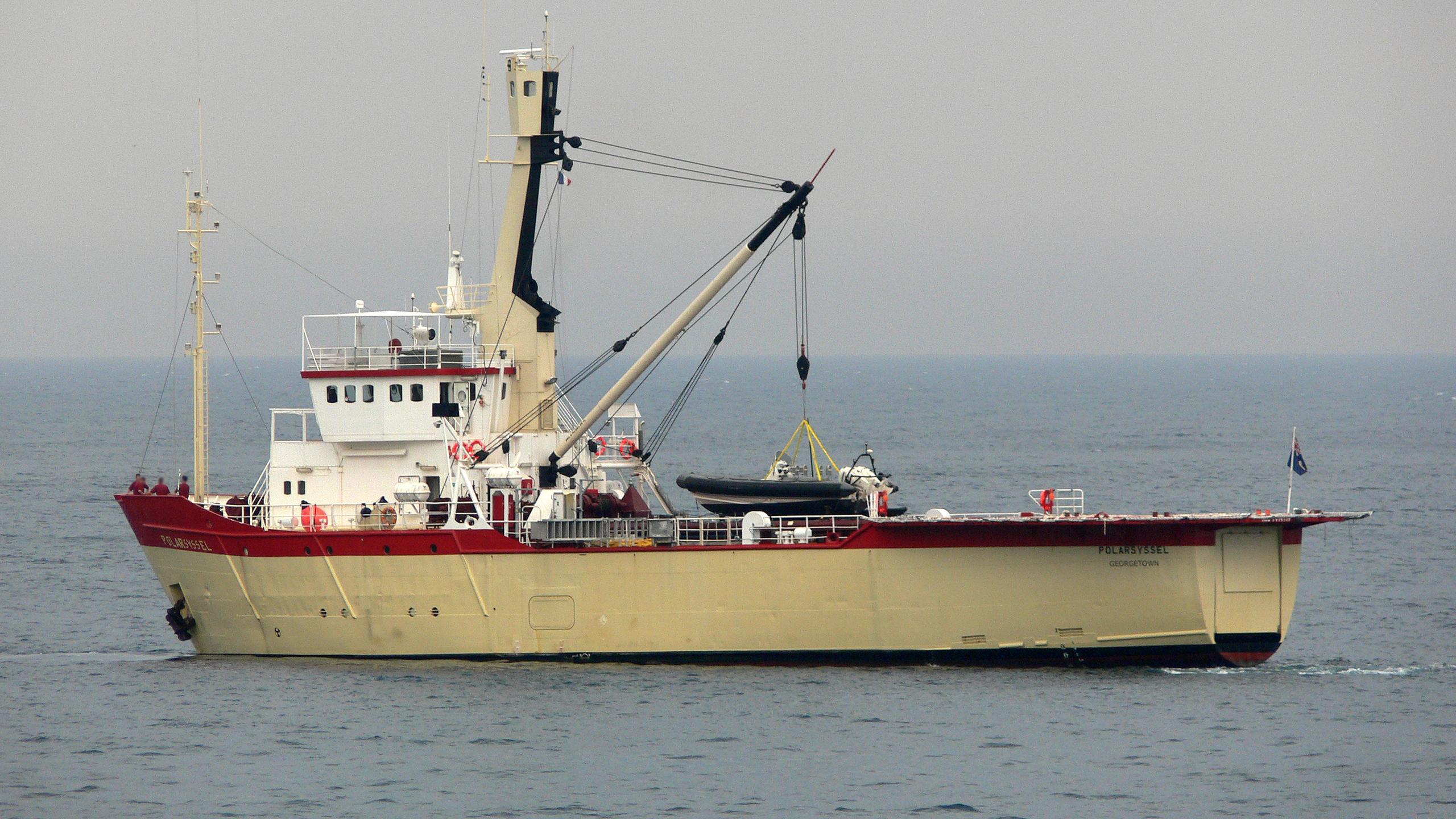 polarsyssel-yacht-exterior