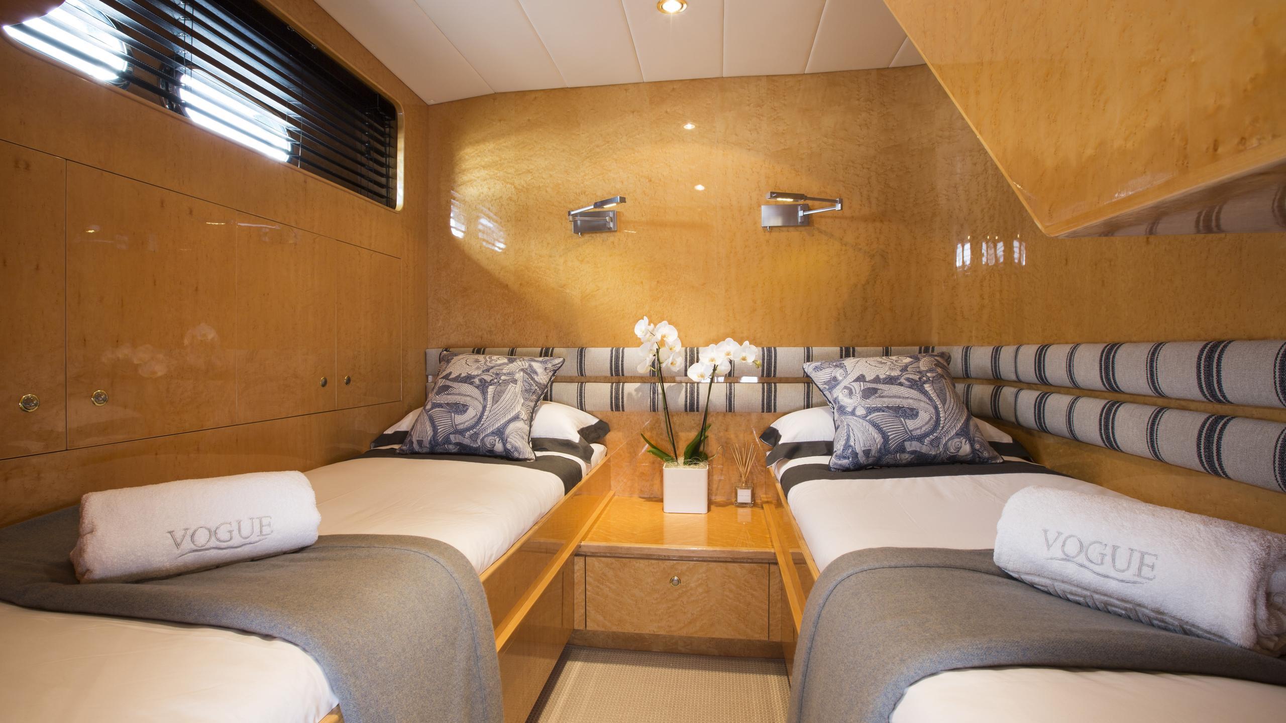vogue-yacht-twin-cabin