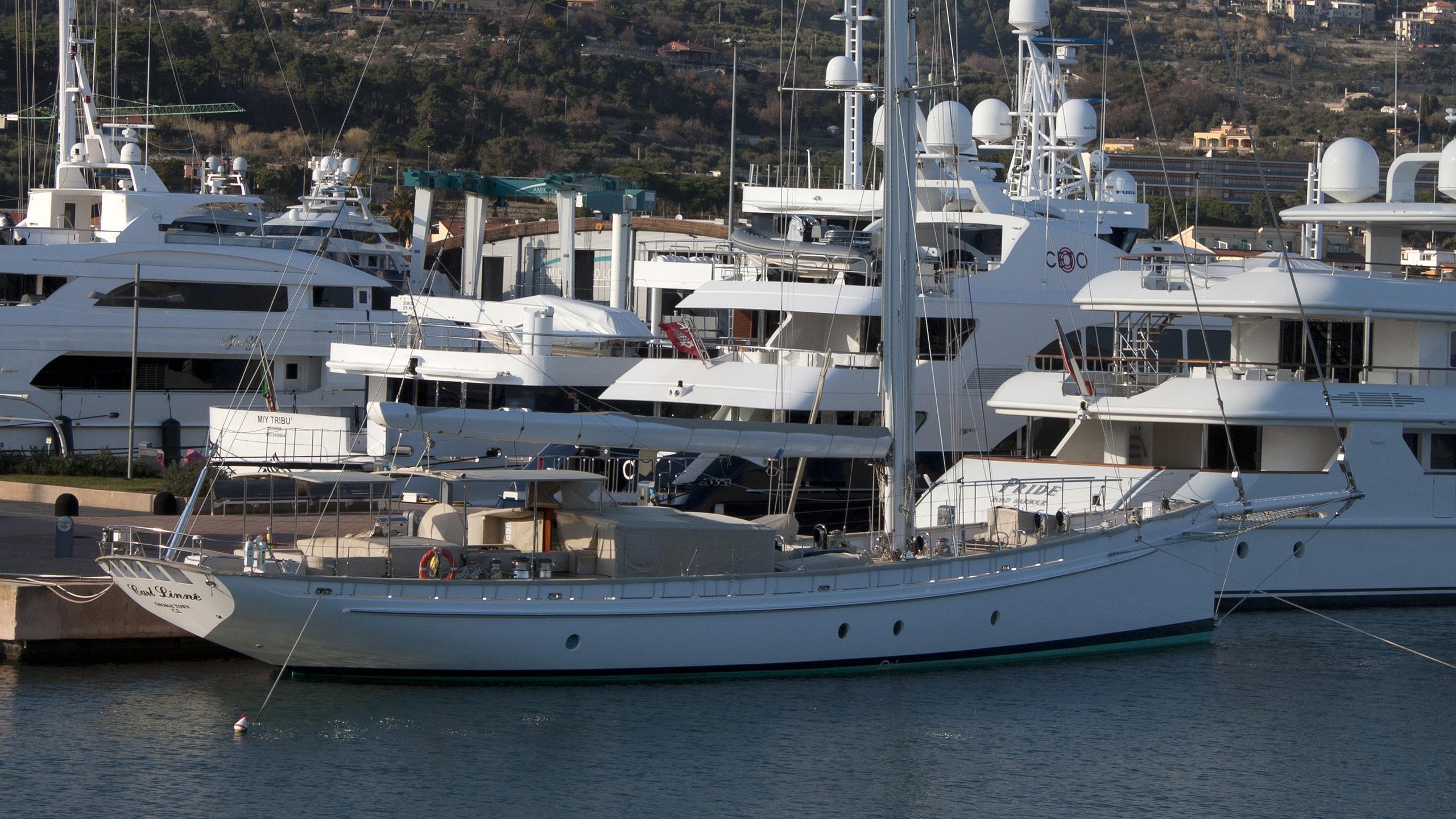 carl-linne-yacht-exterior