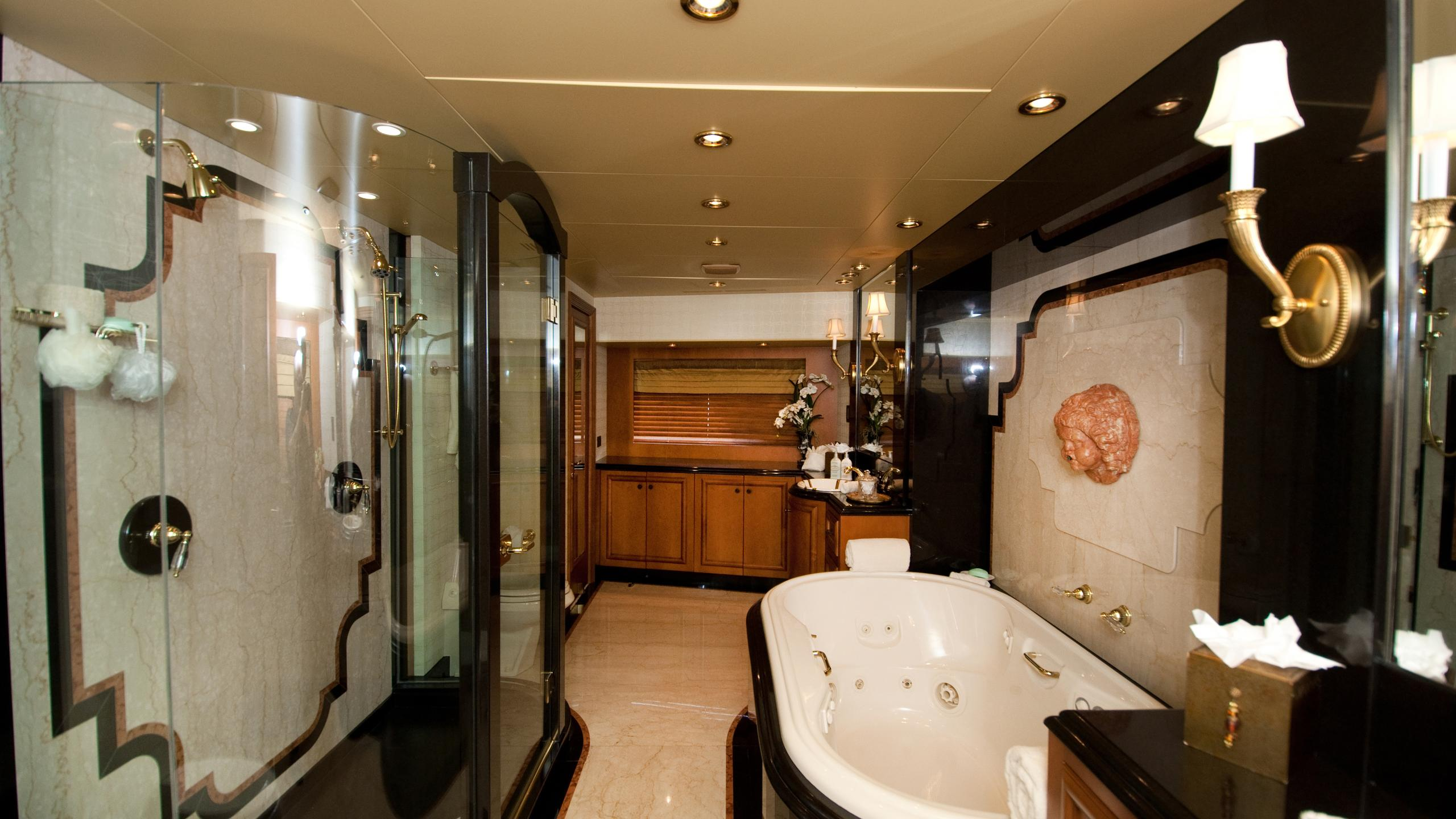 lady-m-yacht-master-bathroom