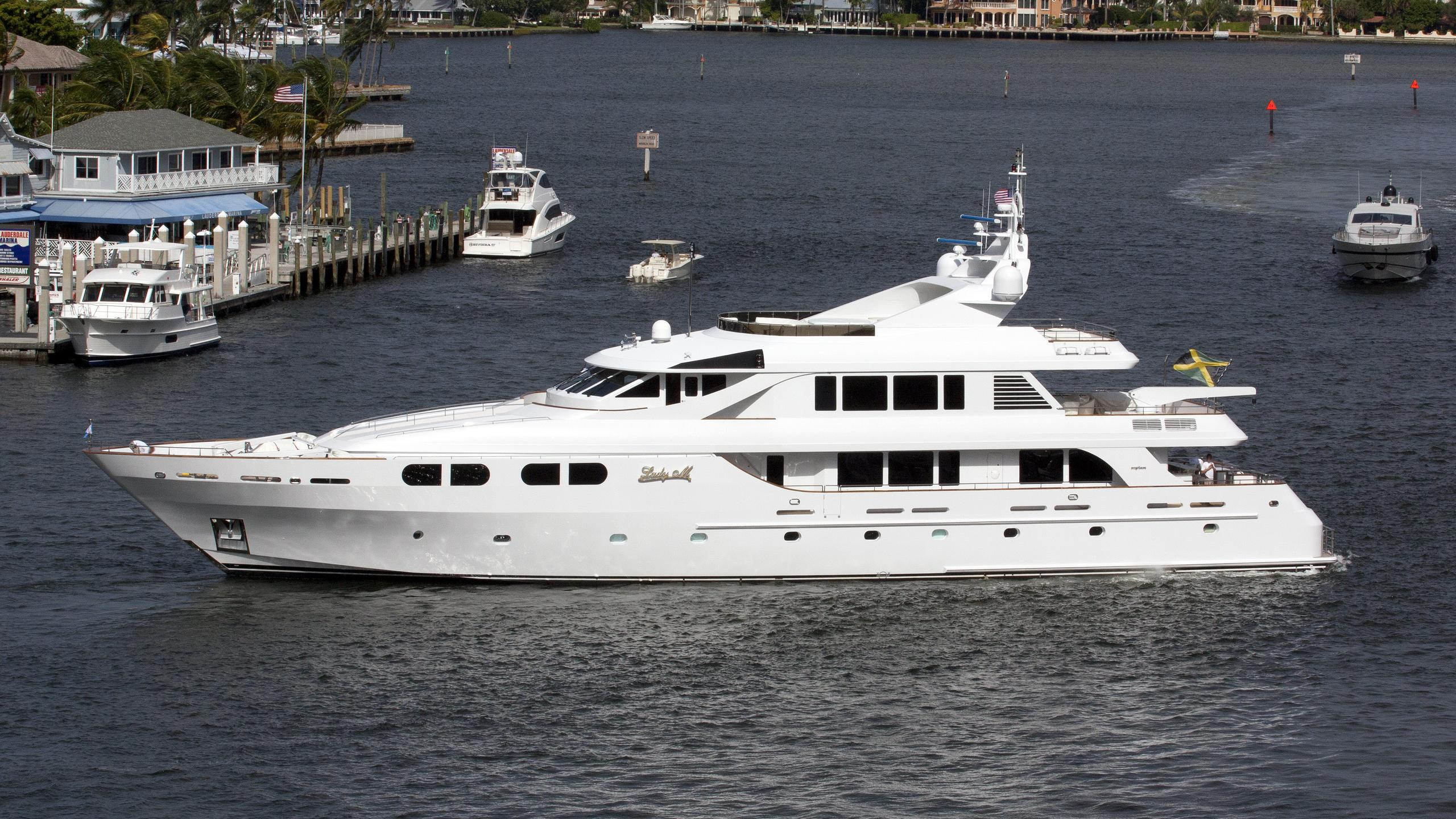 lady-m-yacht-exterior