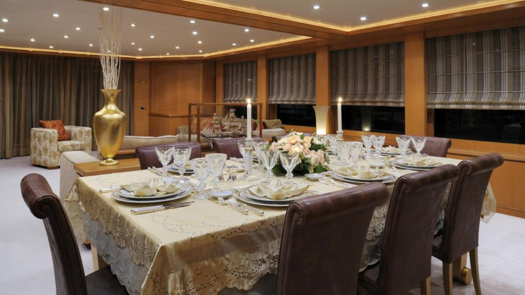 amoixa-yacht-formal-dining