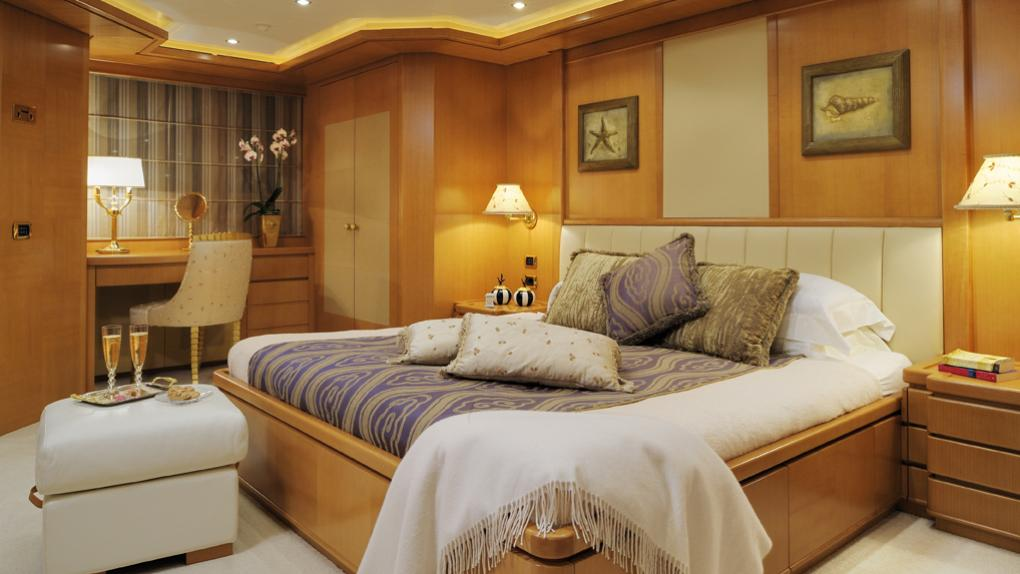 amoixa-yacht-double-cabin