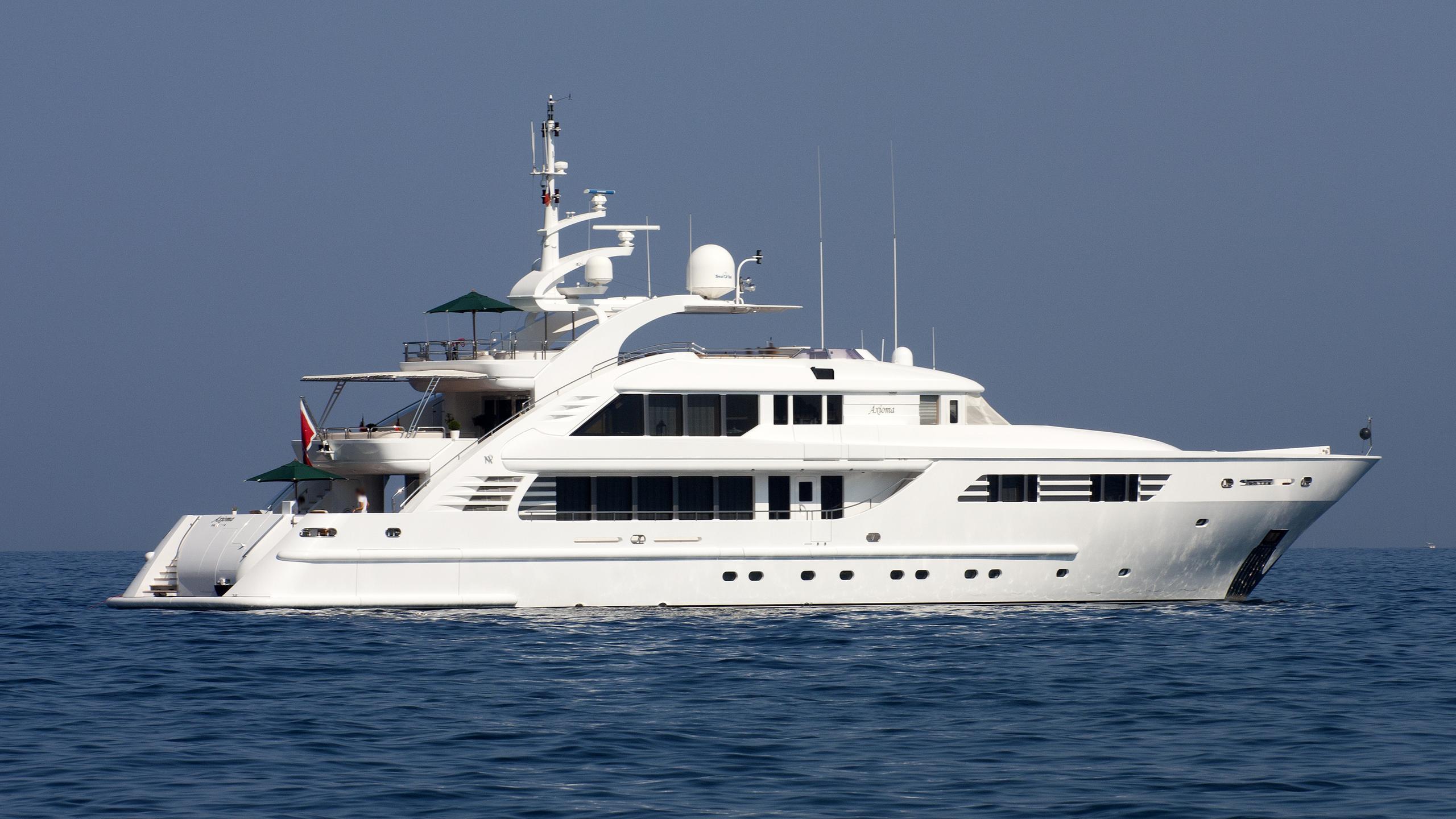 amoixa-yacht-exterior