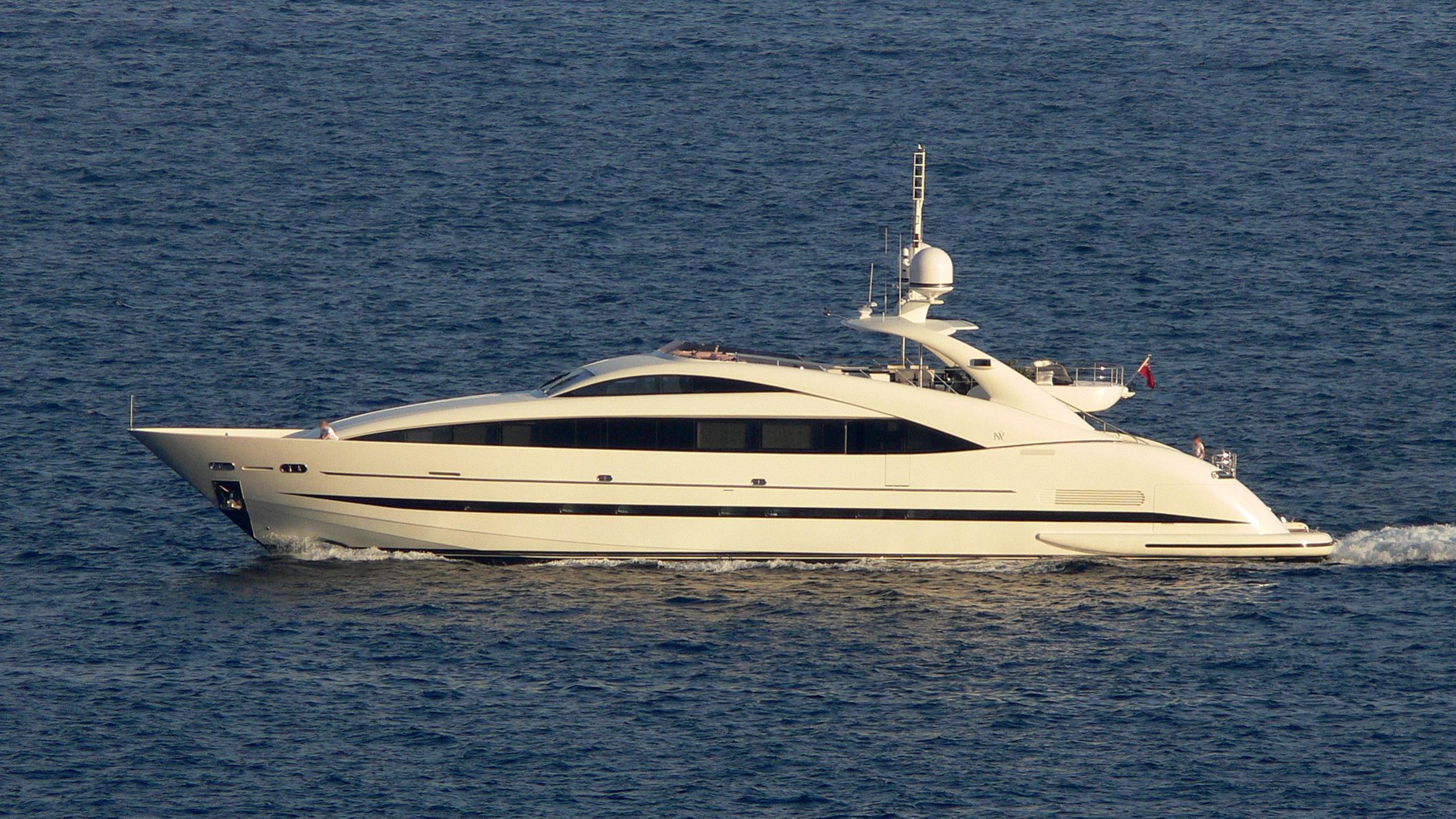 sealyon-yacht-exterior