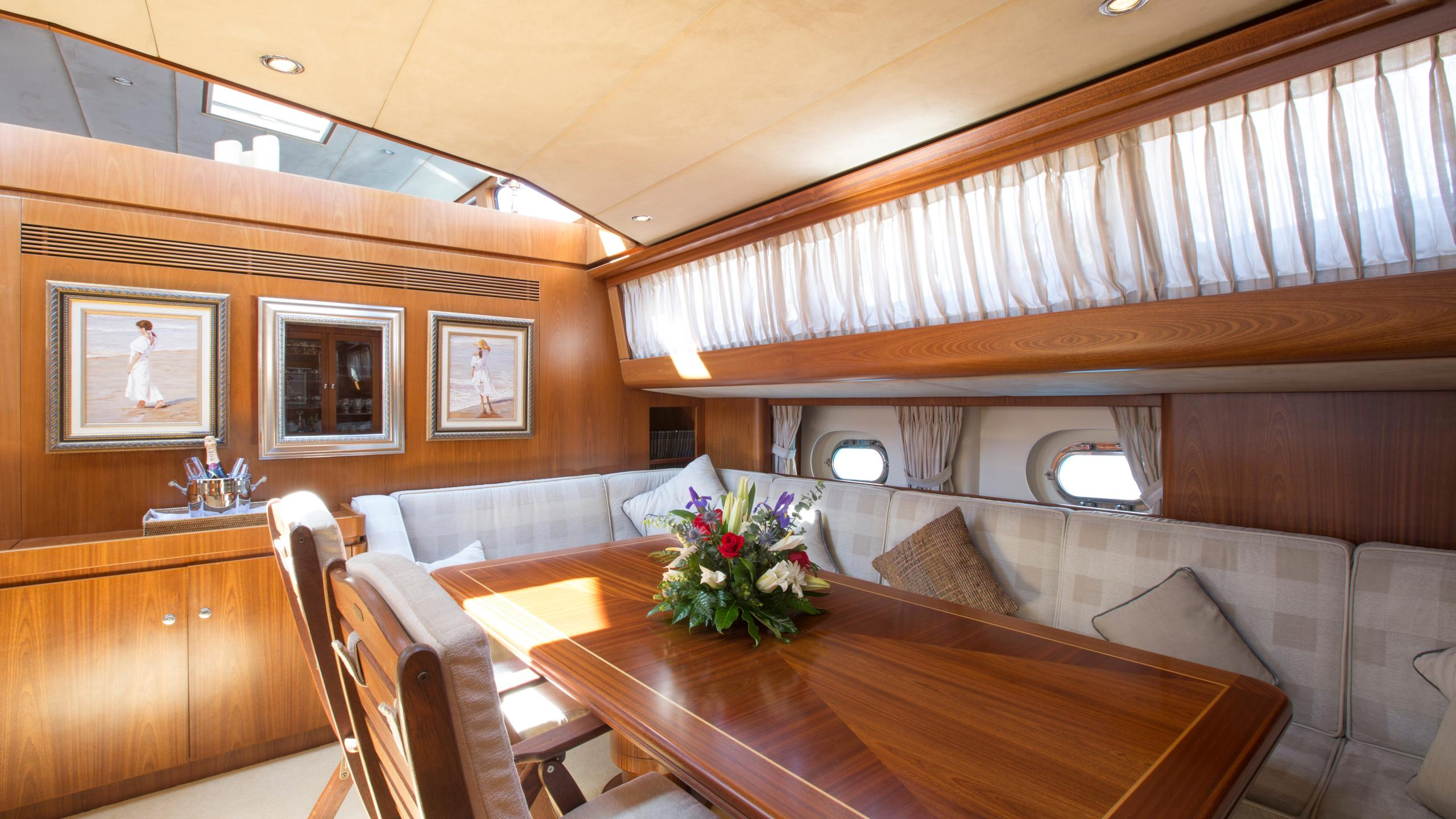 infatuation-yacht