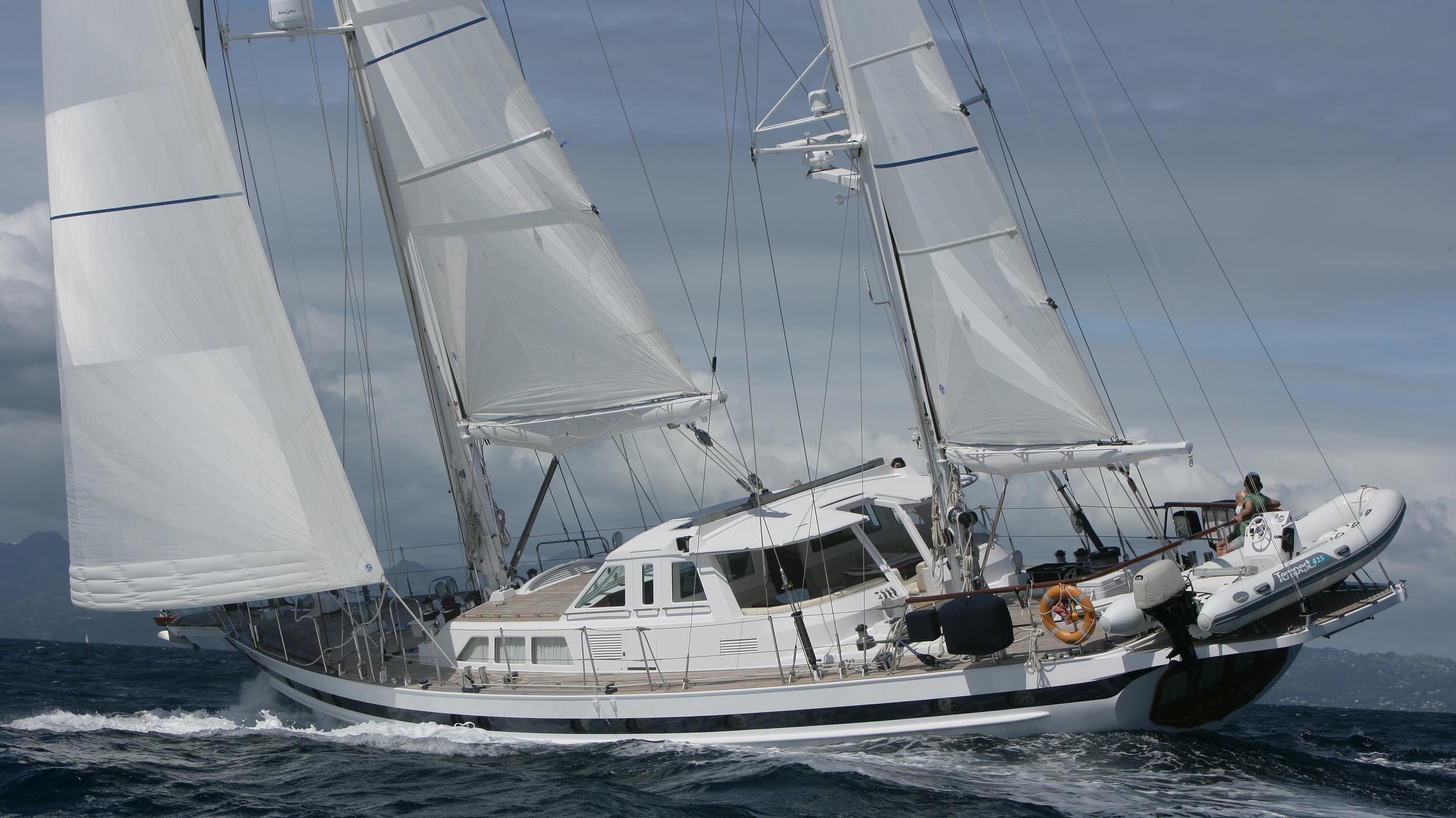 hide-n-sea-yacht-for-sale-profile