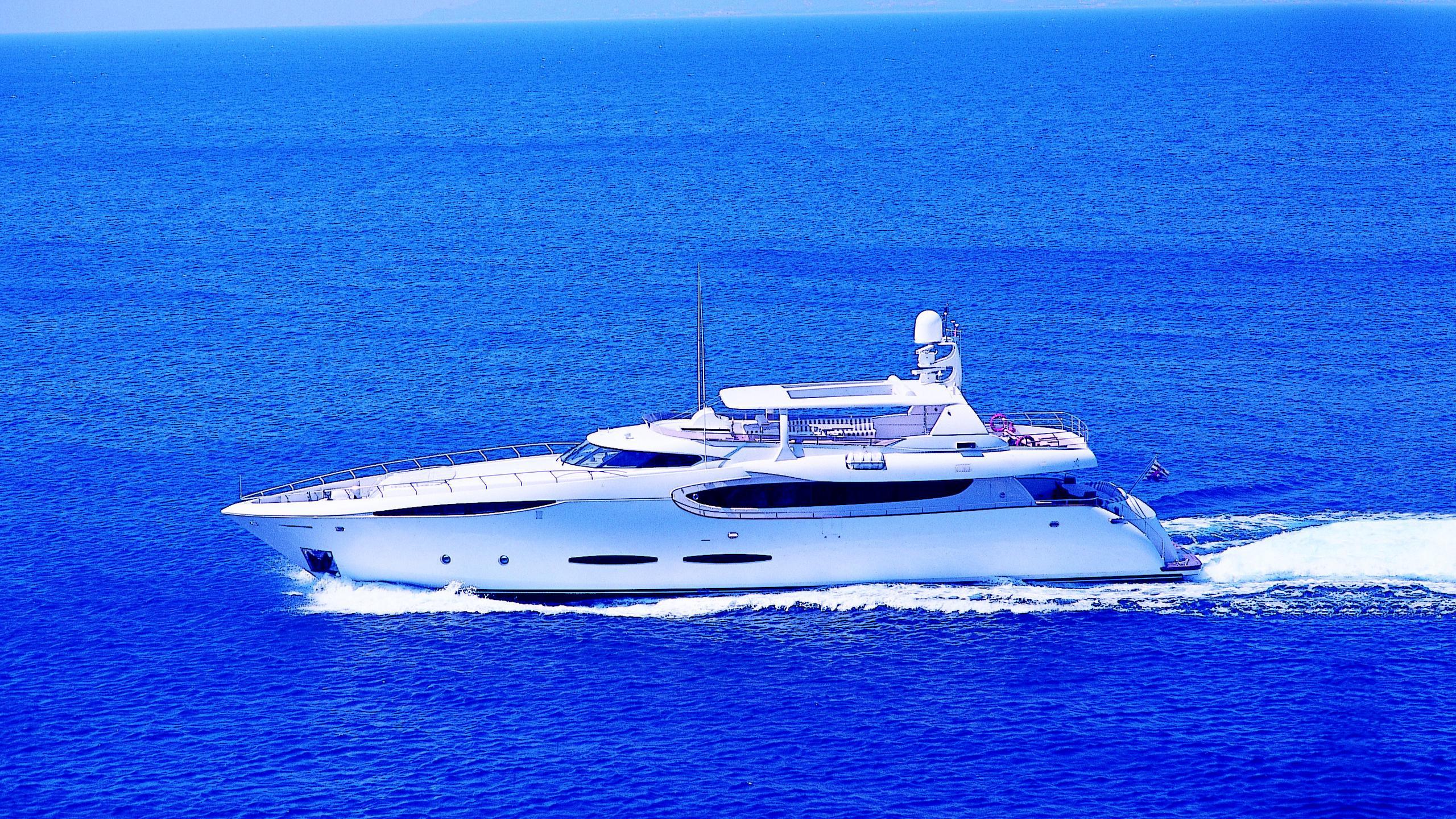 phoenix-yacht-for-sale-profile