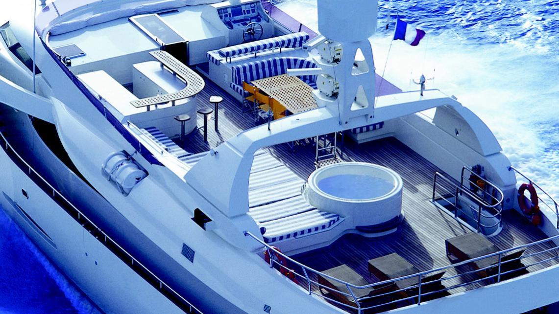 phoenix-yacht-sun-deck