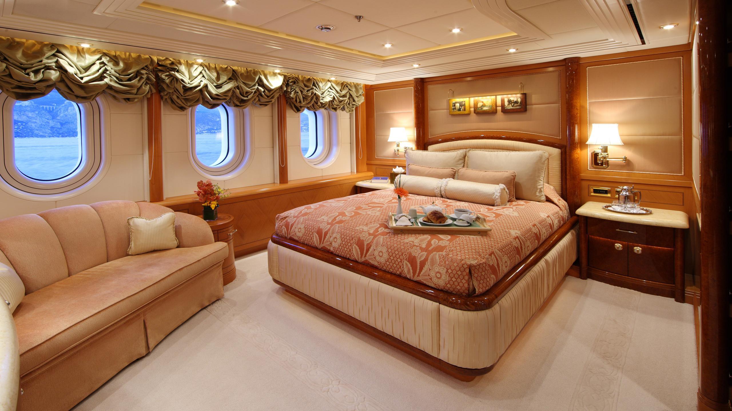 capri-yacht-double-cabin