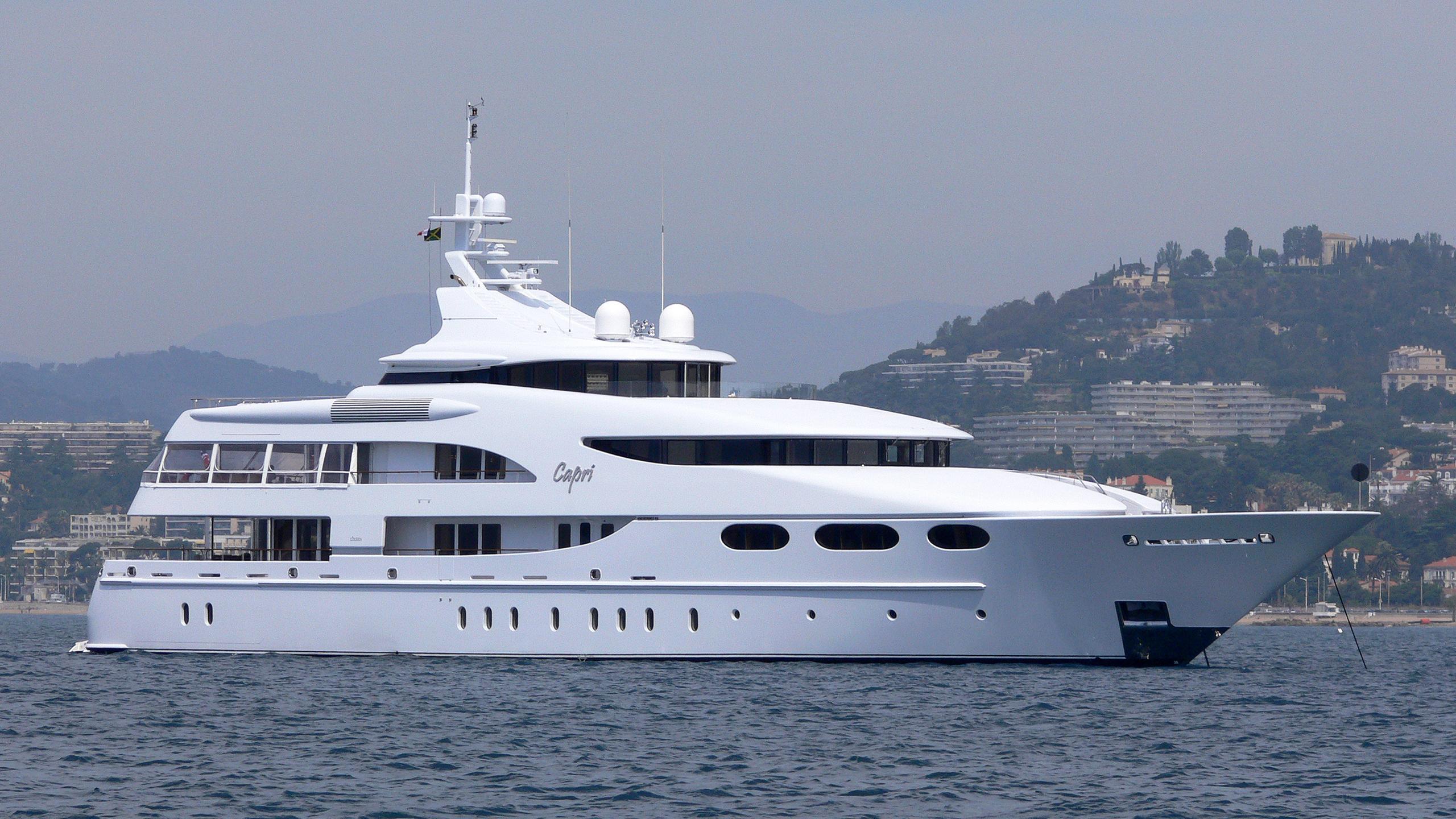 capri-yacht-exterior