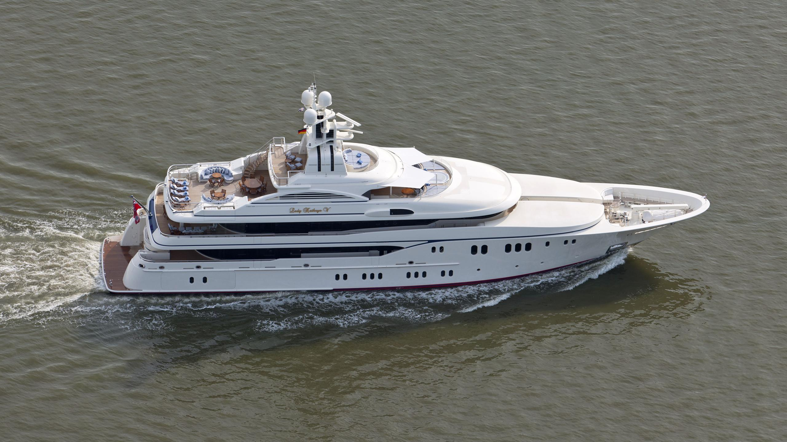 lady-kathryn-v-yacht-cruising
