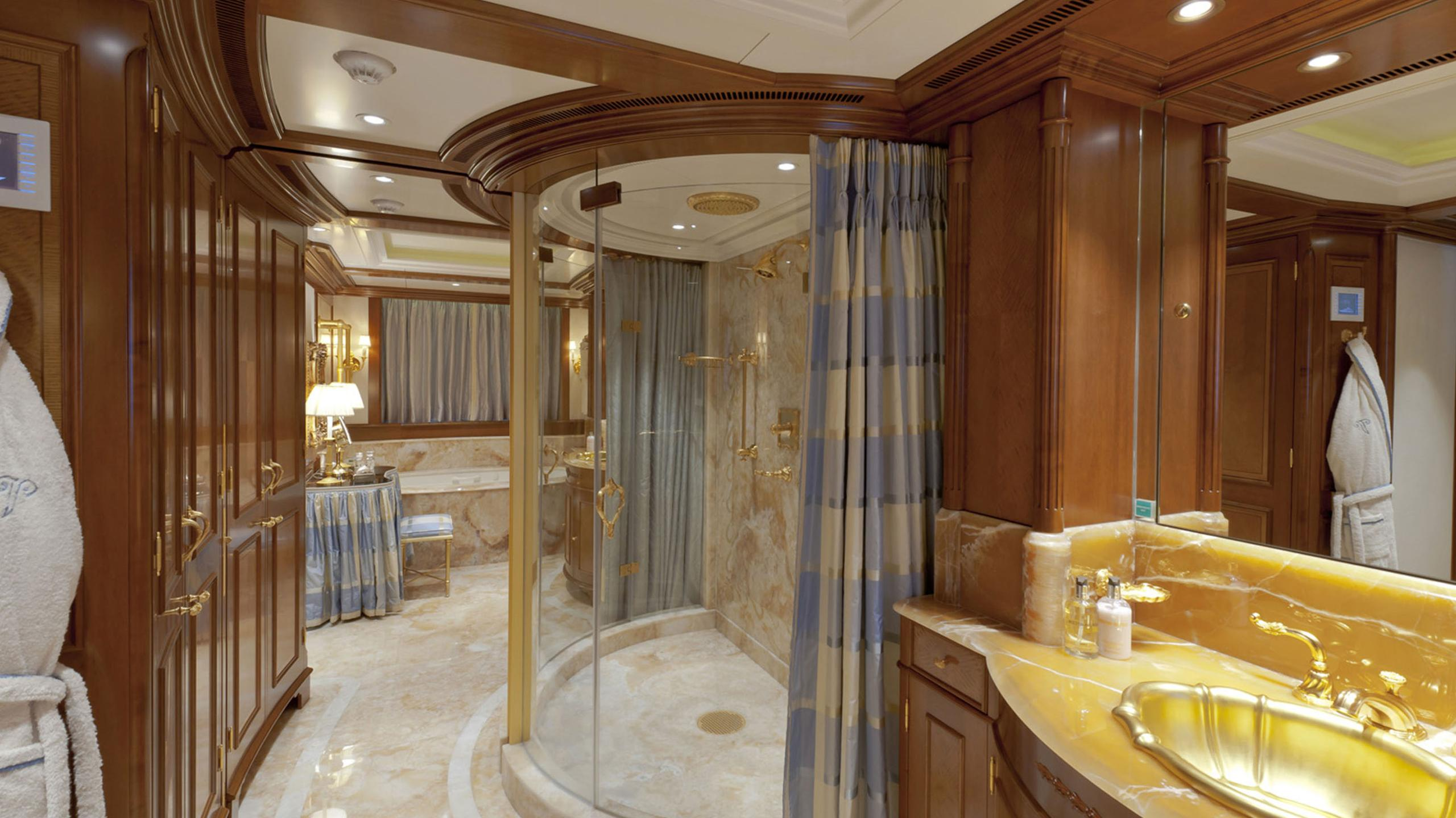 lady-kathryn-v-yacht-bathroom