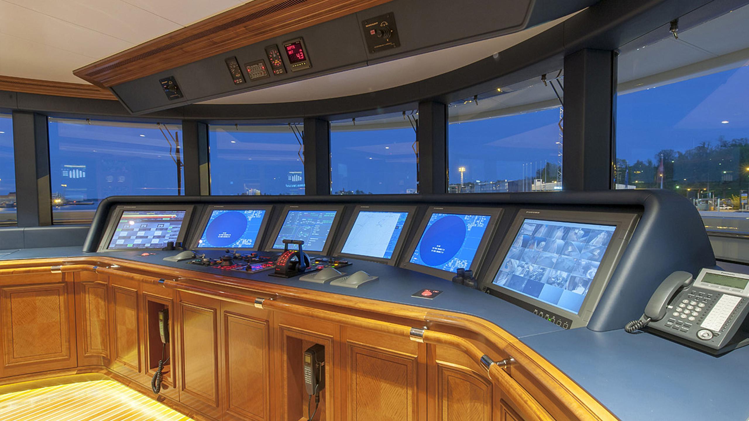 lady-kathryn-v-yacht-helm