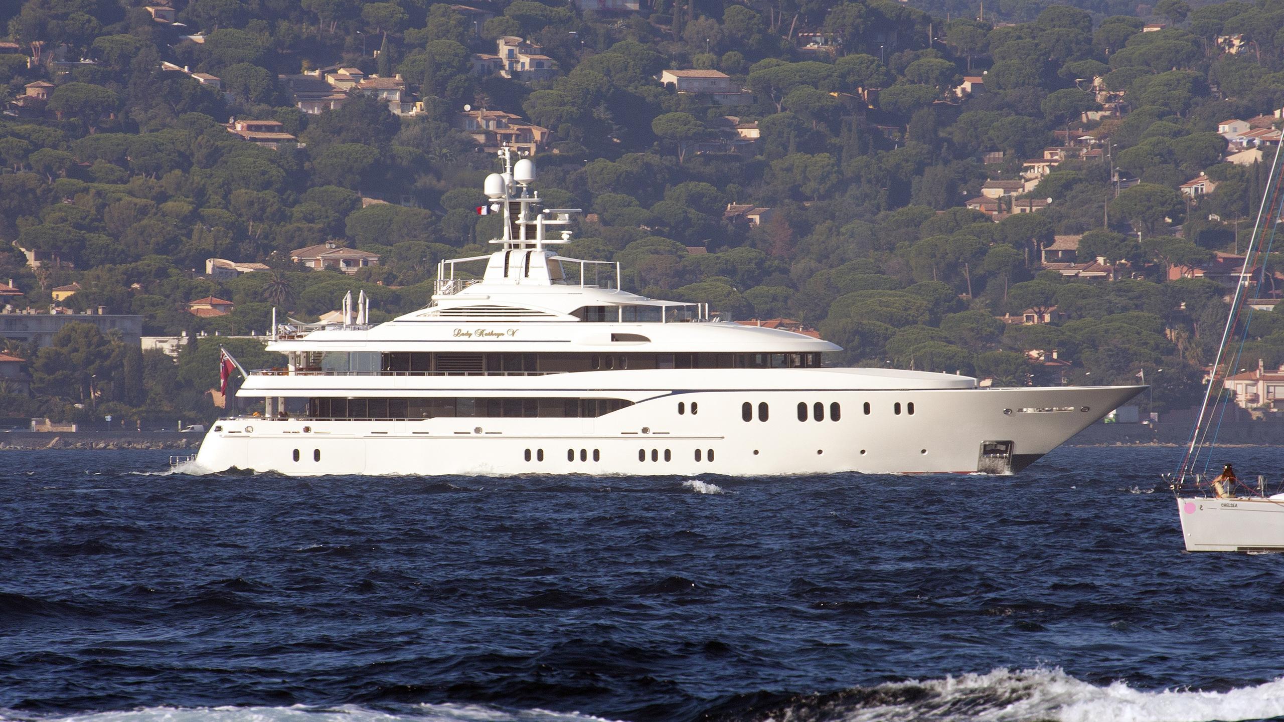 lady-kathryn-v-yacht-exterior