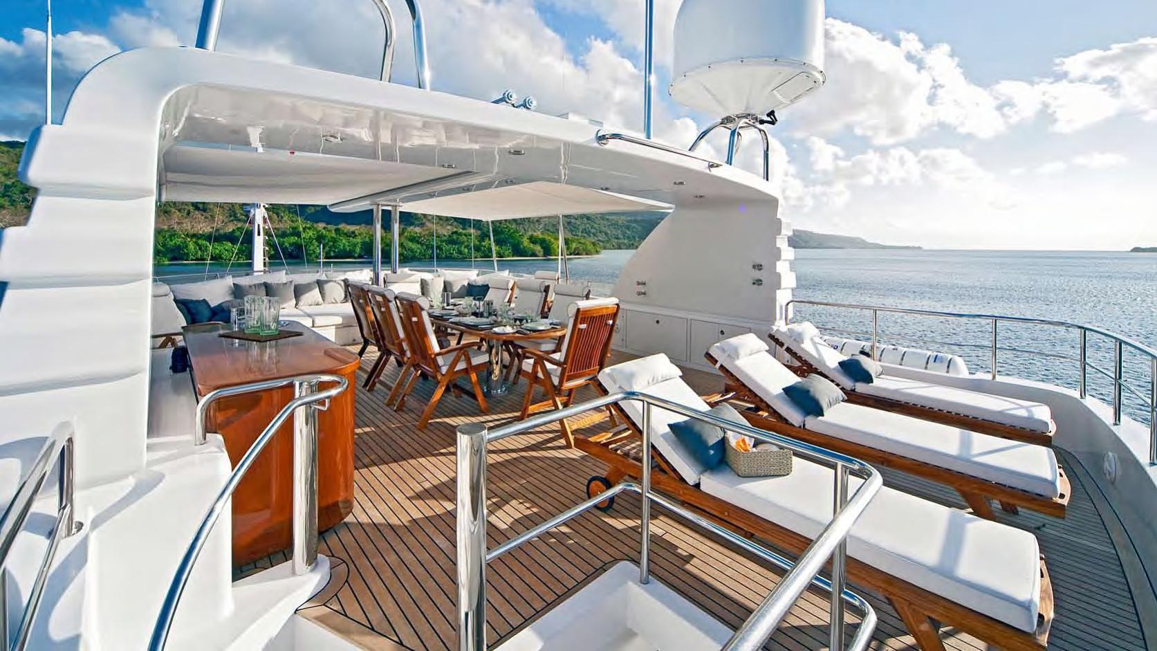 koi-yacht-sun-deck