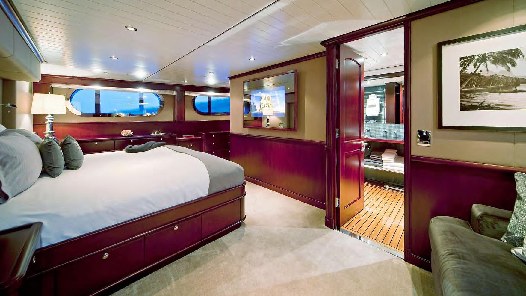 koi-yacht-master-cabin