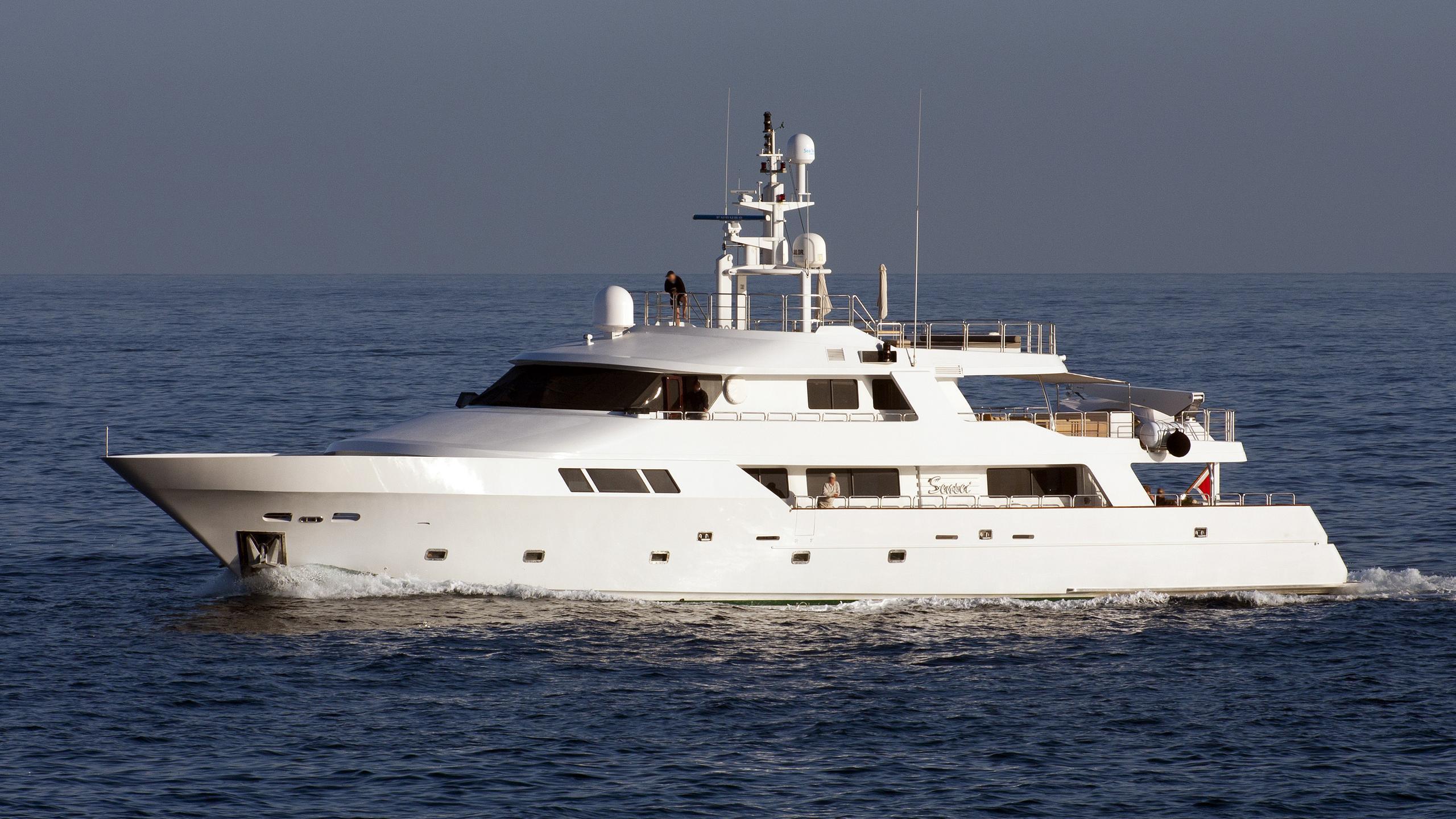 sensei-yacht-exterior