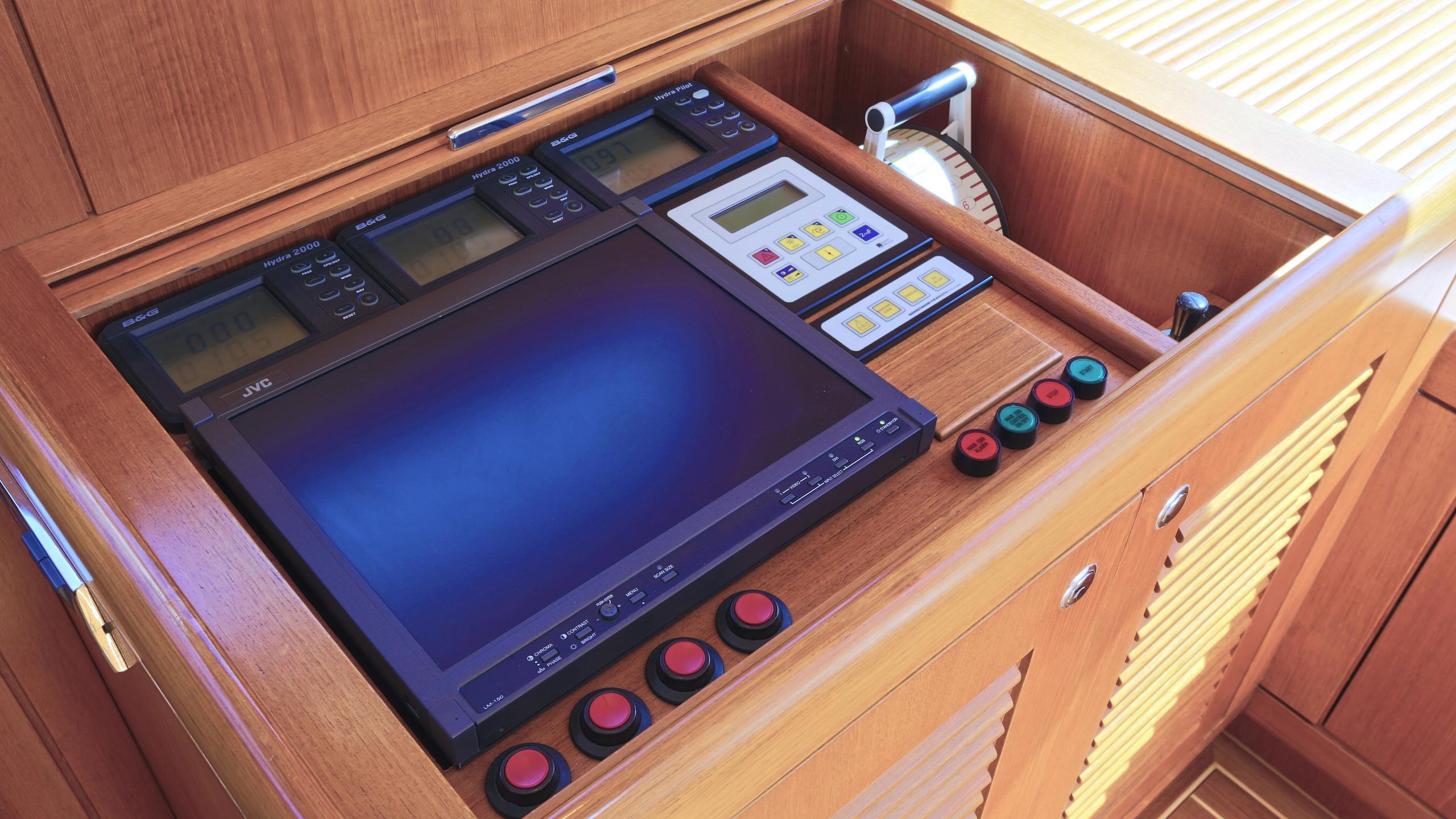 anemos-yacht-navigation