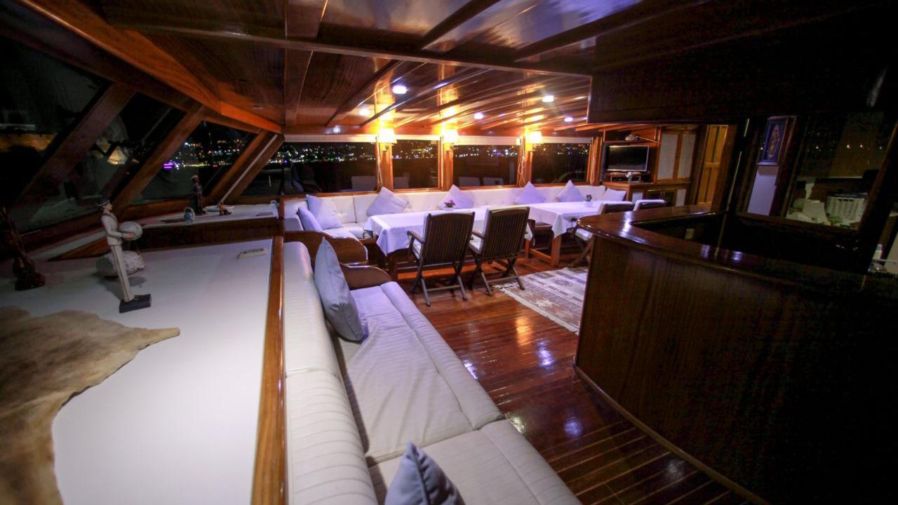 akana-yacht-bar