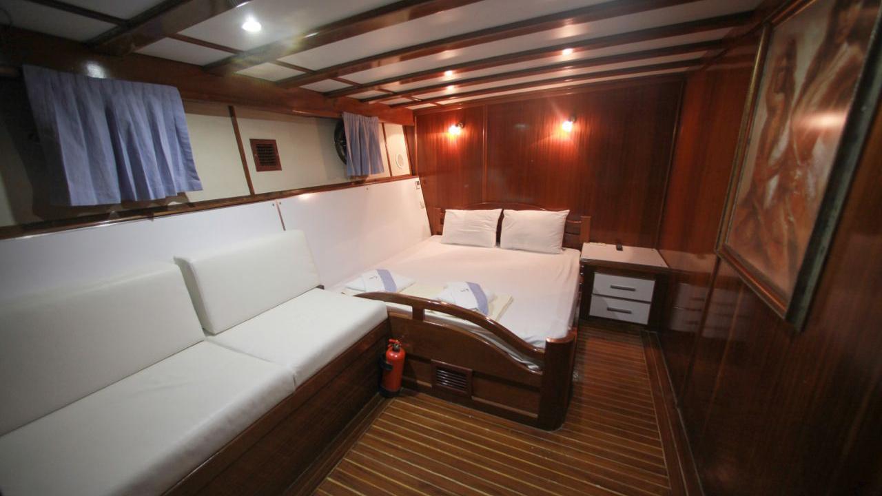 akana-yacht-double-cabin