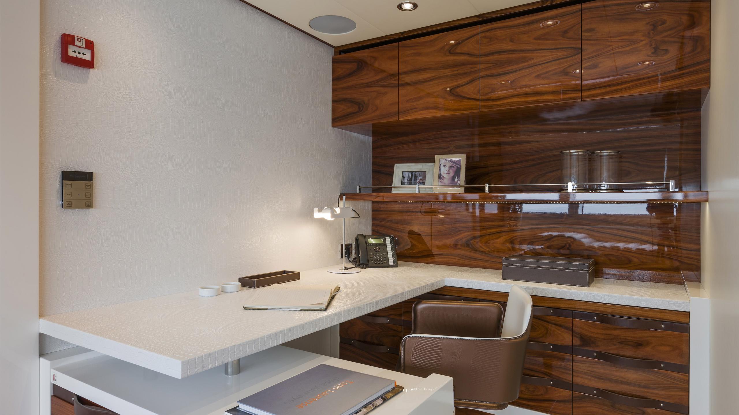 vicem-yacht-office