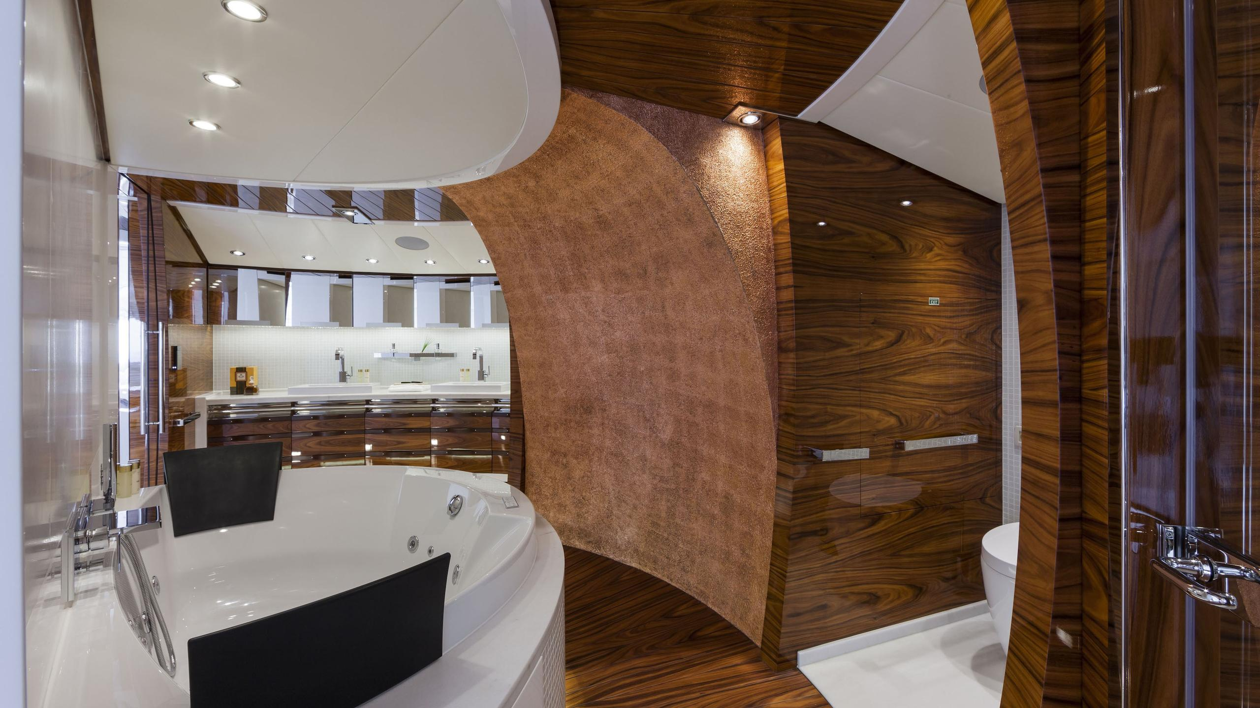 vicem-yacht-master-bathroom
