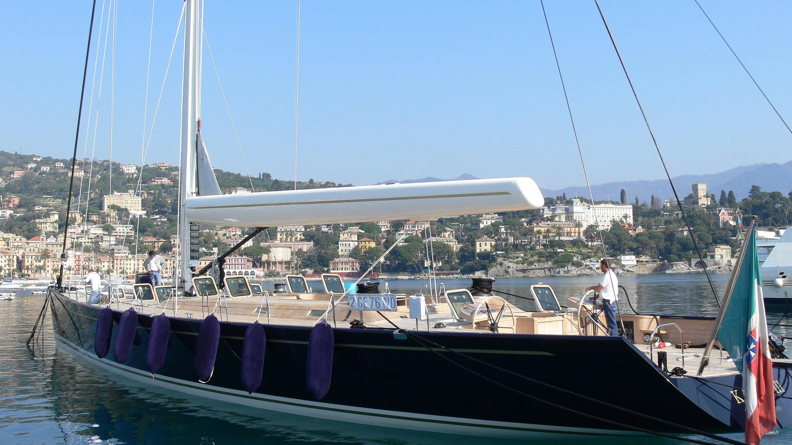 kauris-iii-yacht-exterior