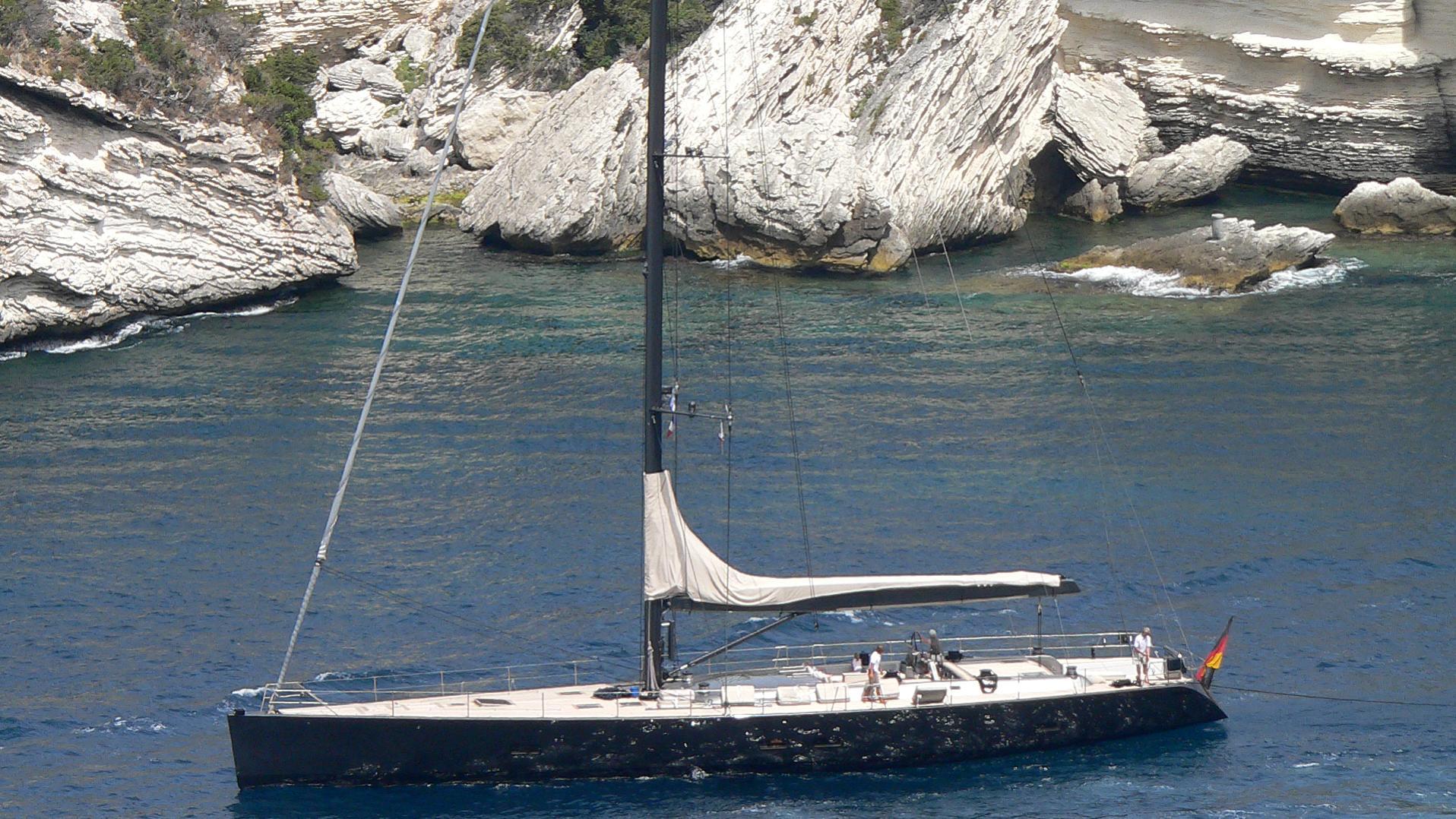 galma-yacht-exterior