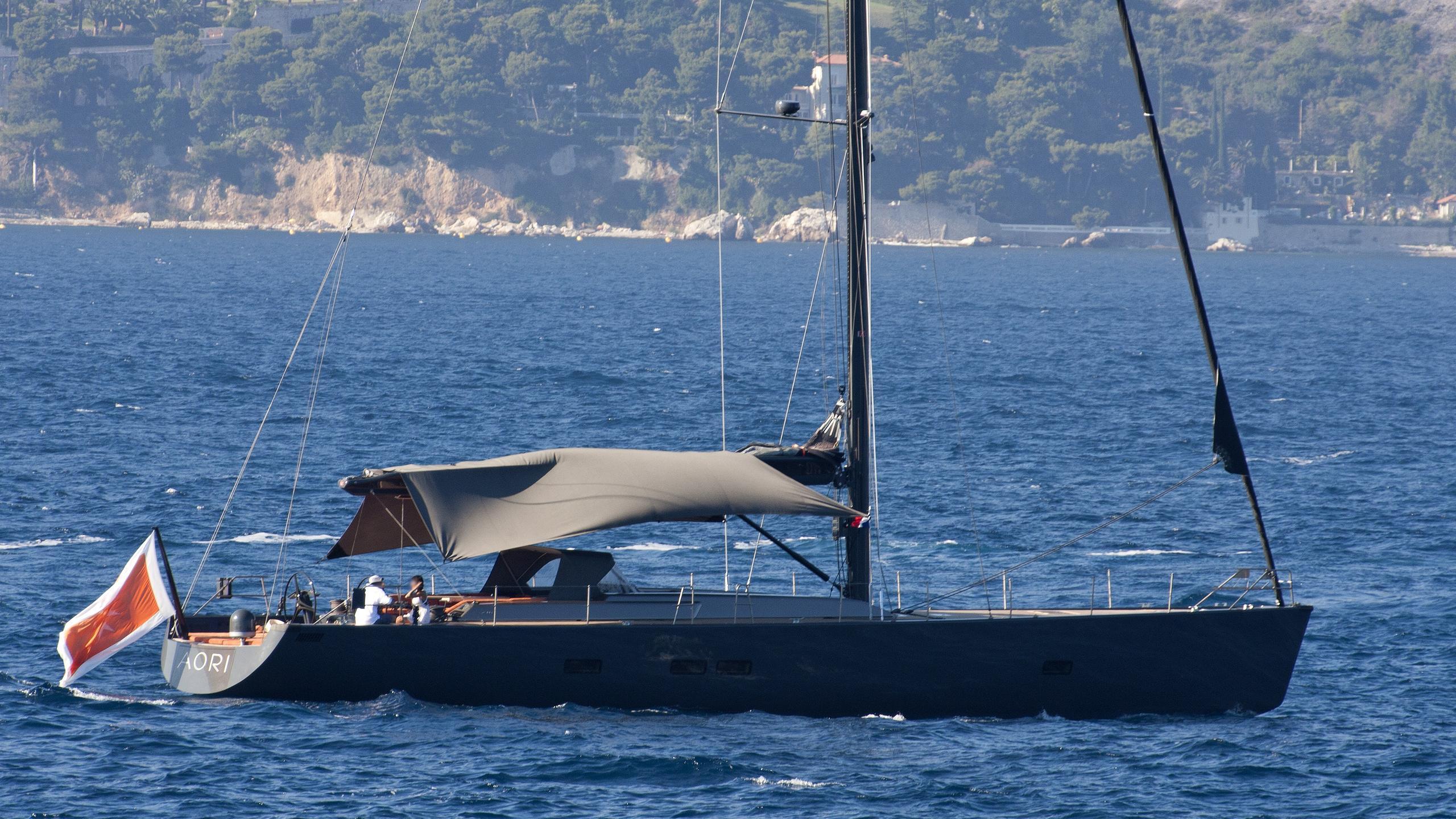aori-yacht-exterior