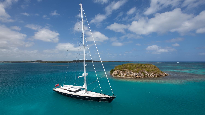drumbeg-yacht-at-anchor