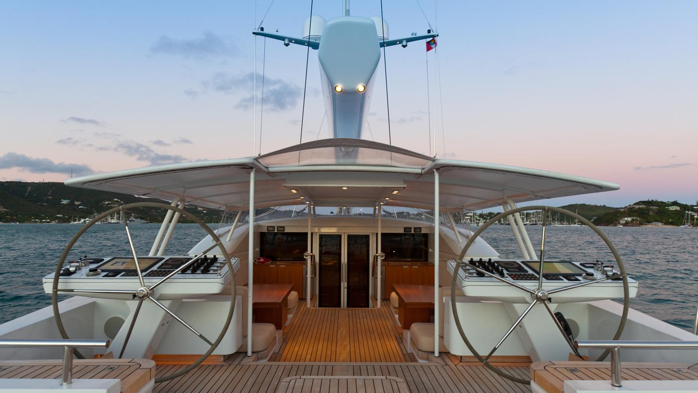 drumbeg-yacht-helm